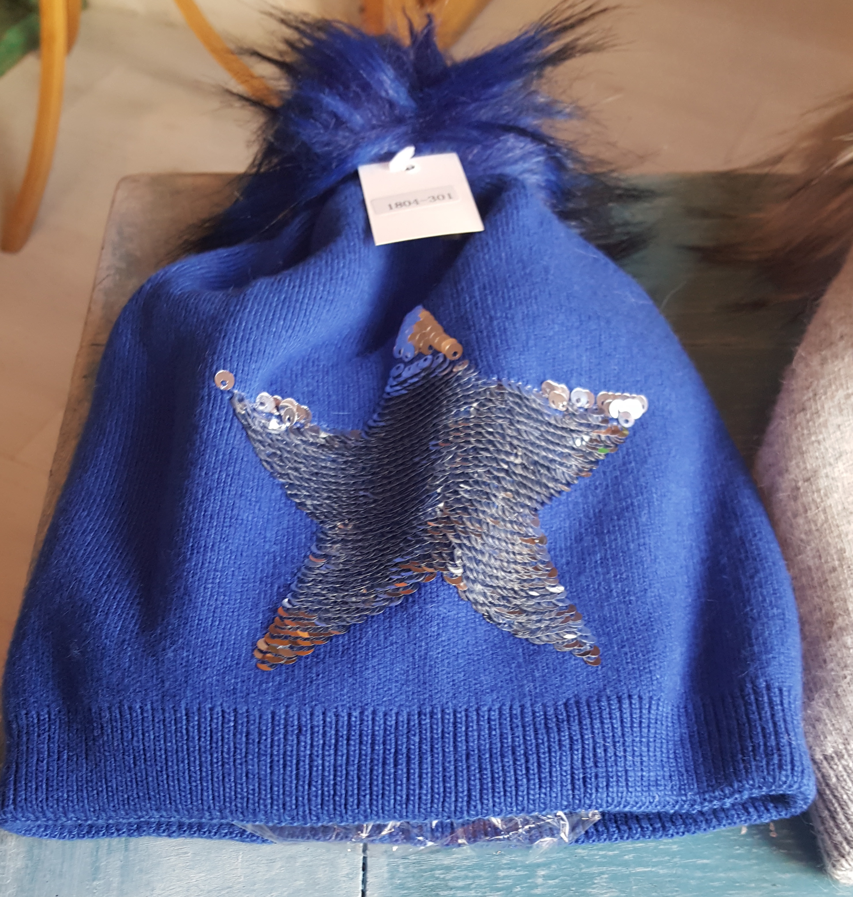 Ladies Hat - Blue Star