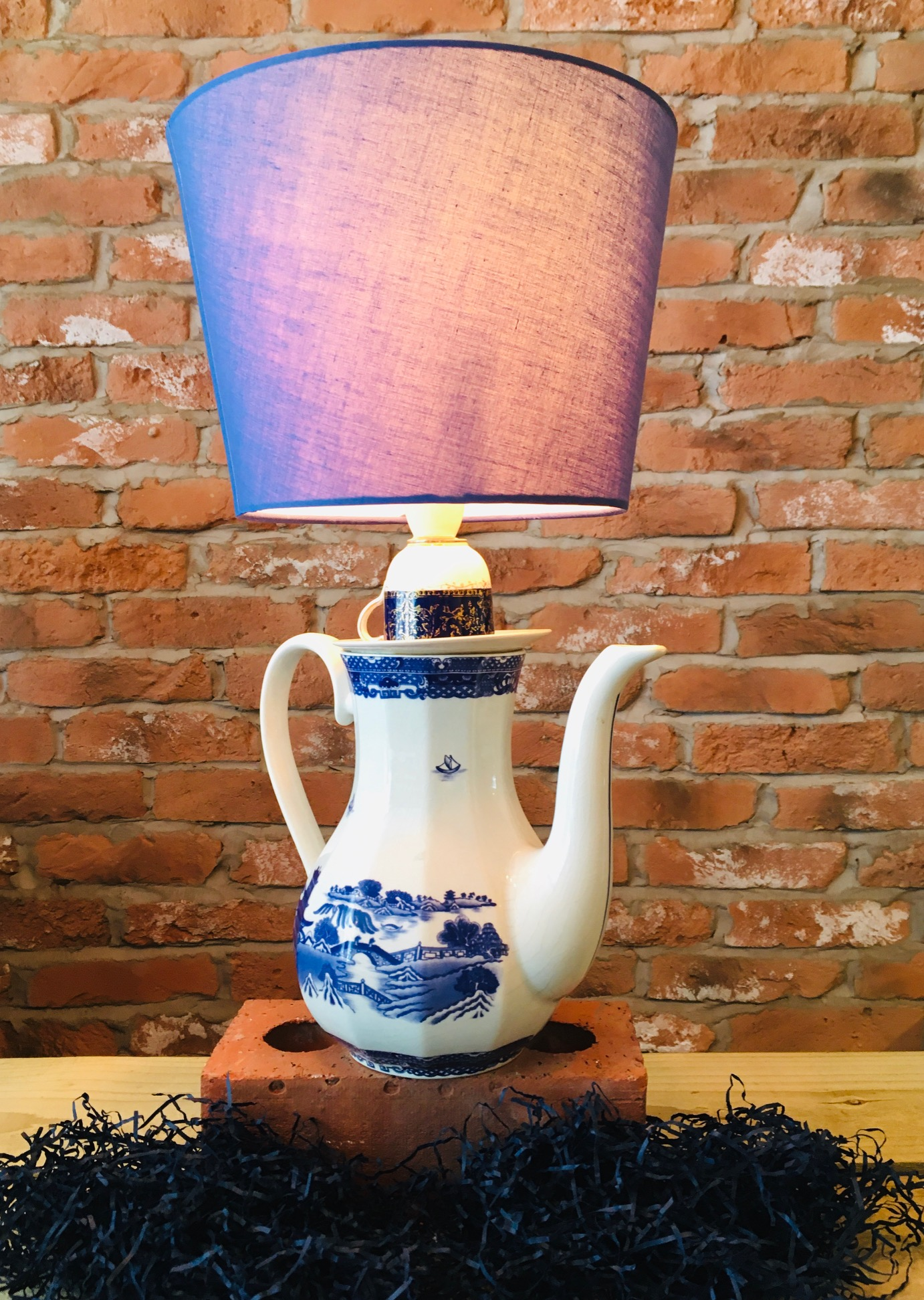 Ringtons Coffee Pot & Wedgwood Lamp