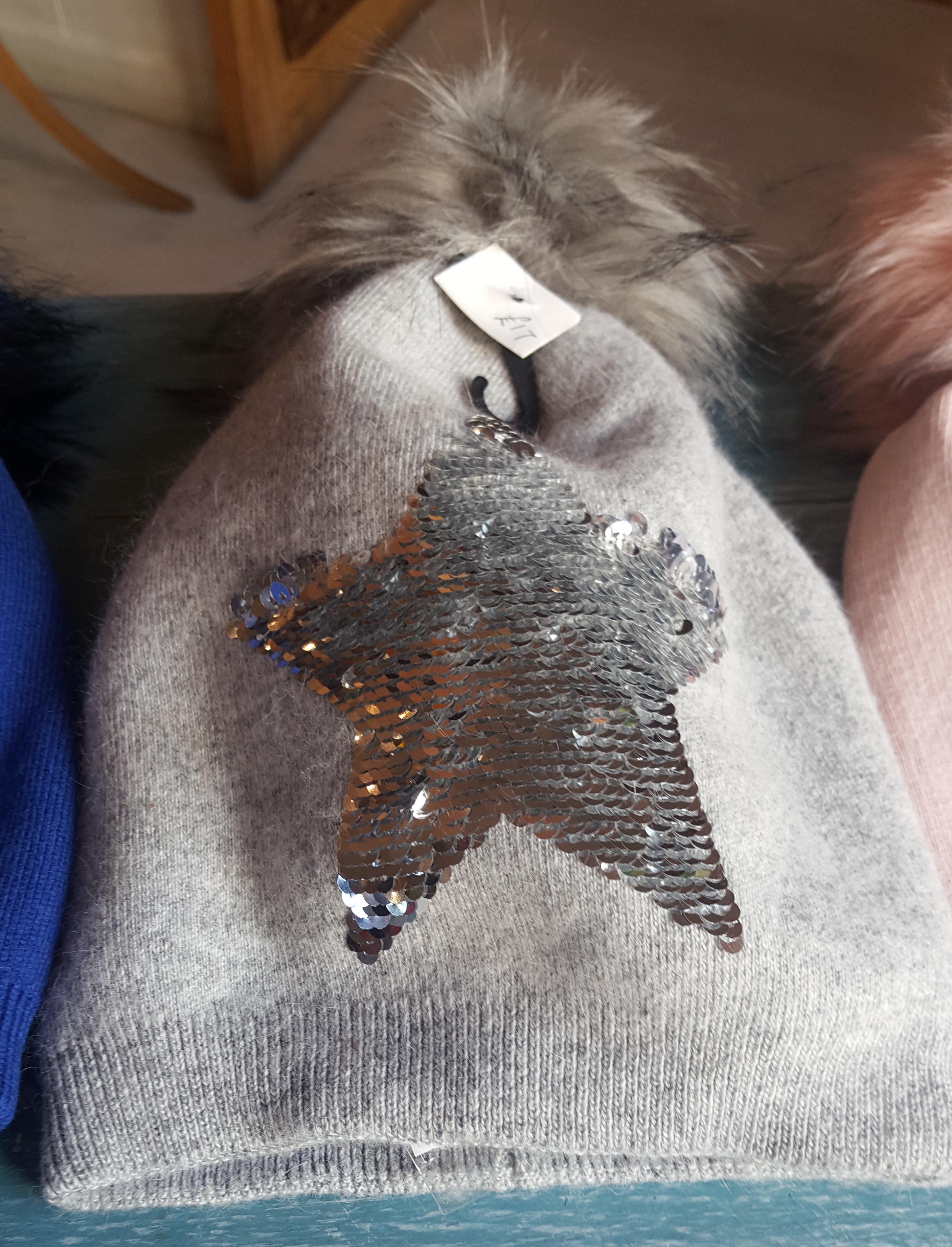 Ladies Hat - Grey Star
