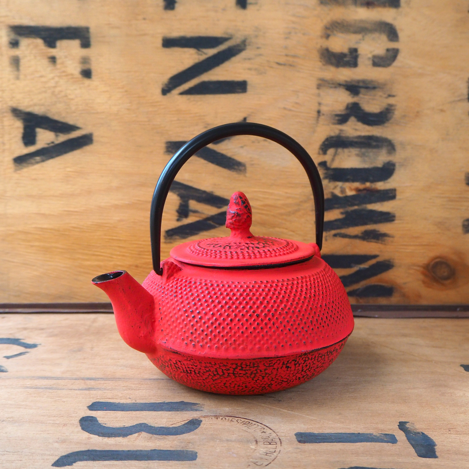 Cast Iron Teapot ~ Red, 800ml