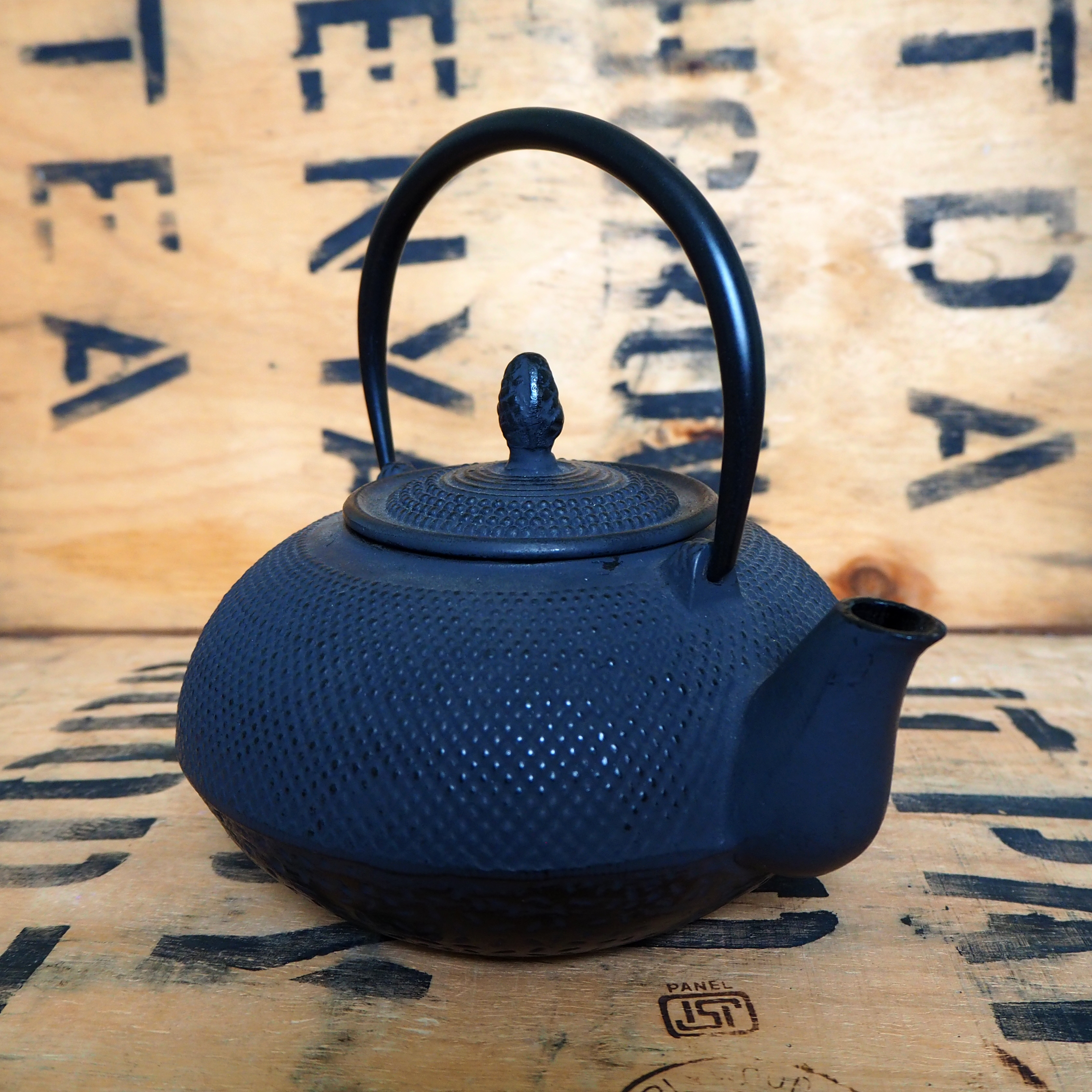 Cast Iron Teapot ~ 1.6l *Loose Handle*