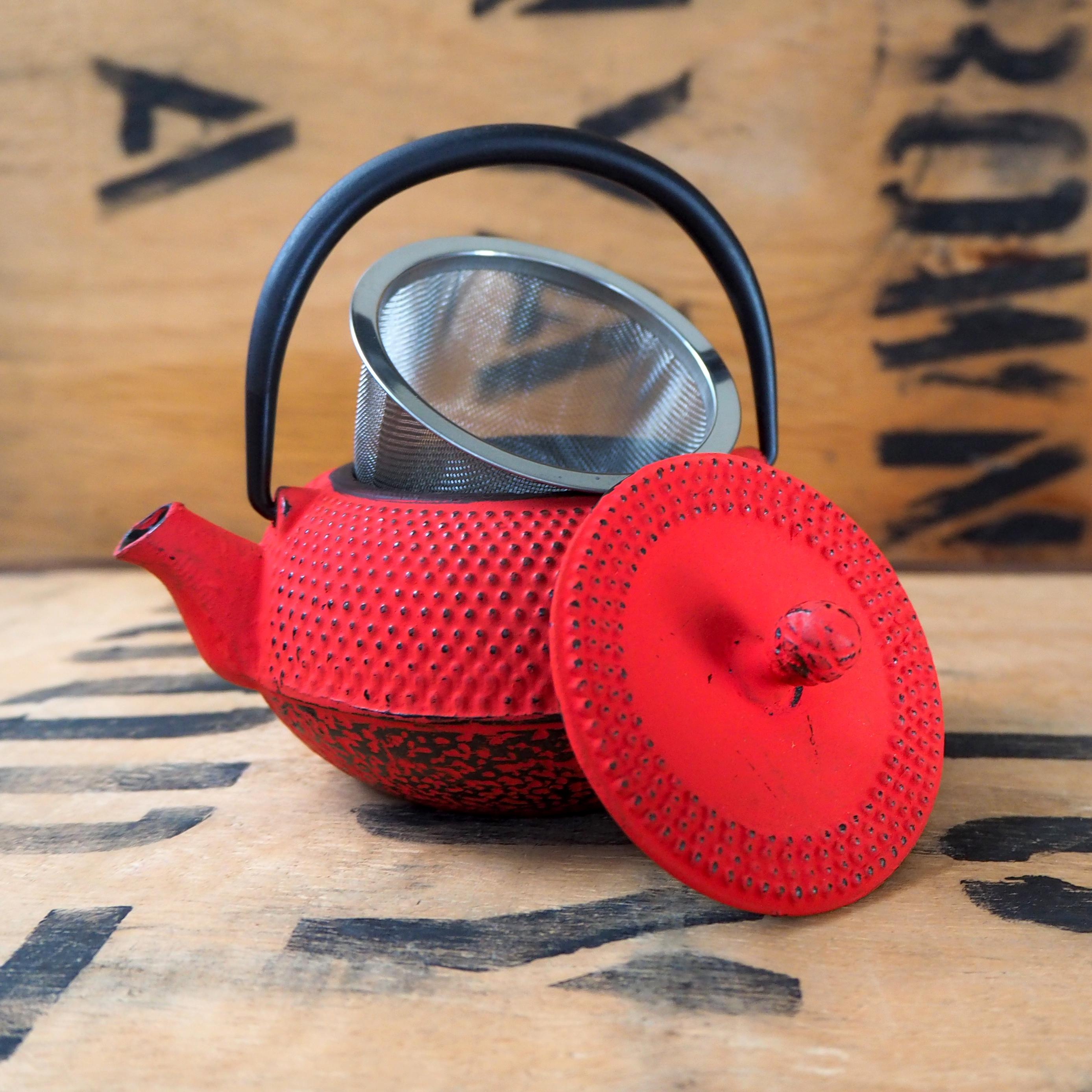 Cast Iron Teapot ~ Red 300ml