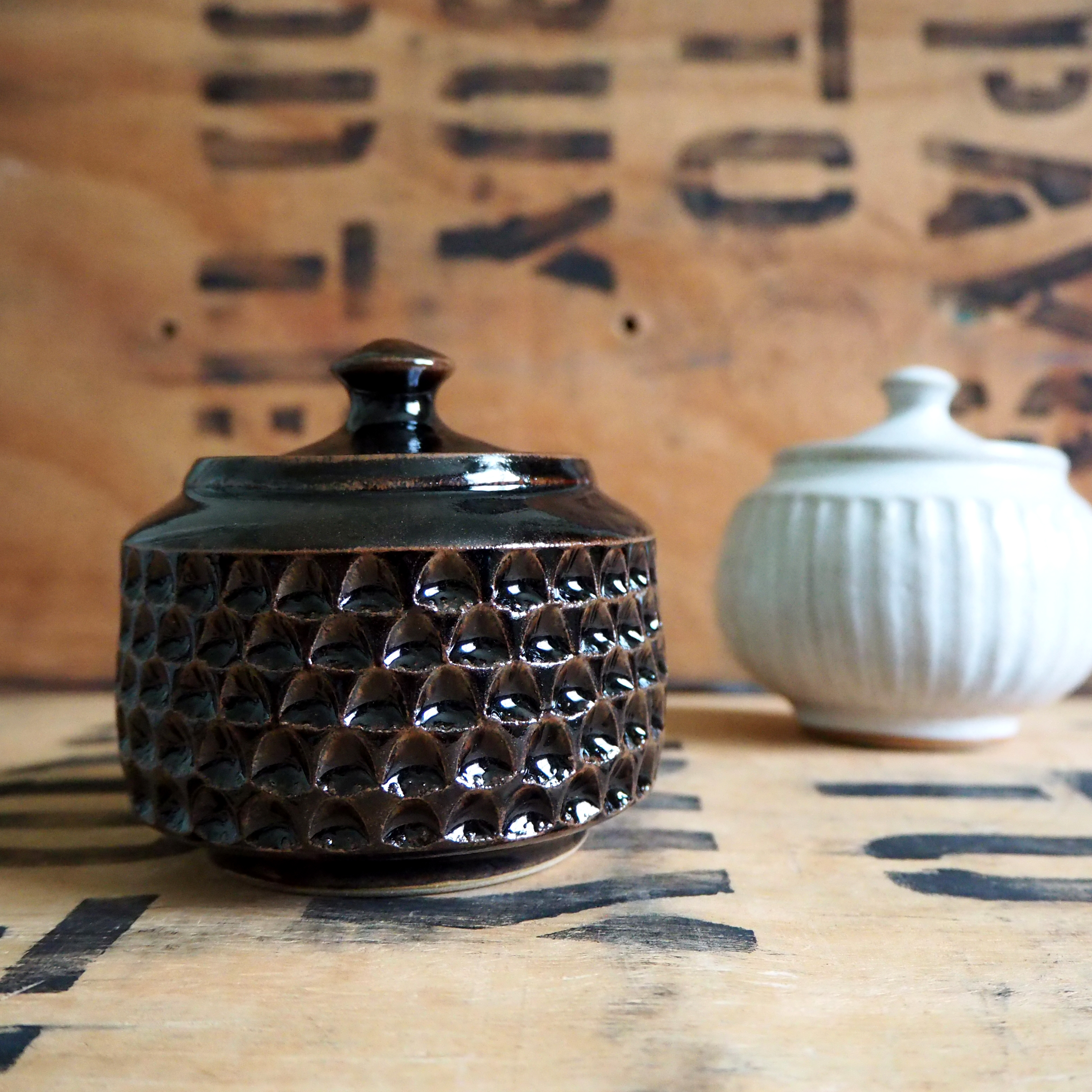 Notched Tea Jar by Robyn Cove