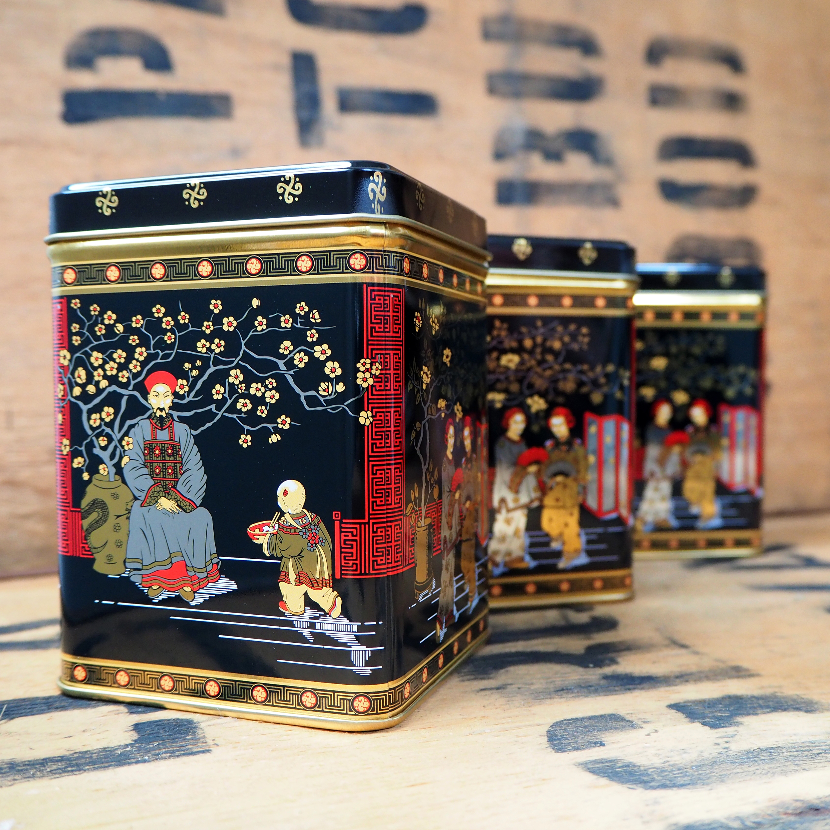 Tea Caddy ~ Traditional Japanese Scene