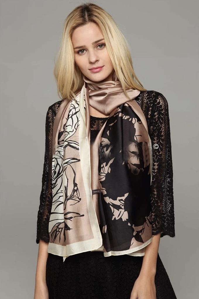 2823 Luscious Rose Print Silk Scarf