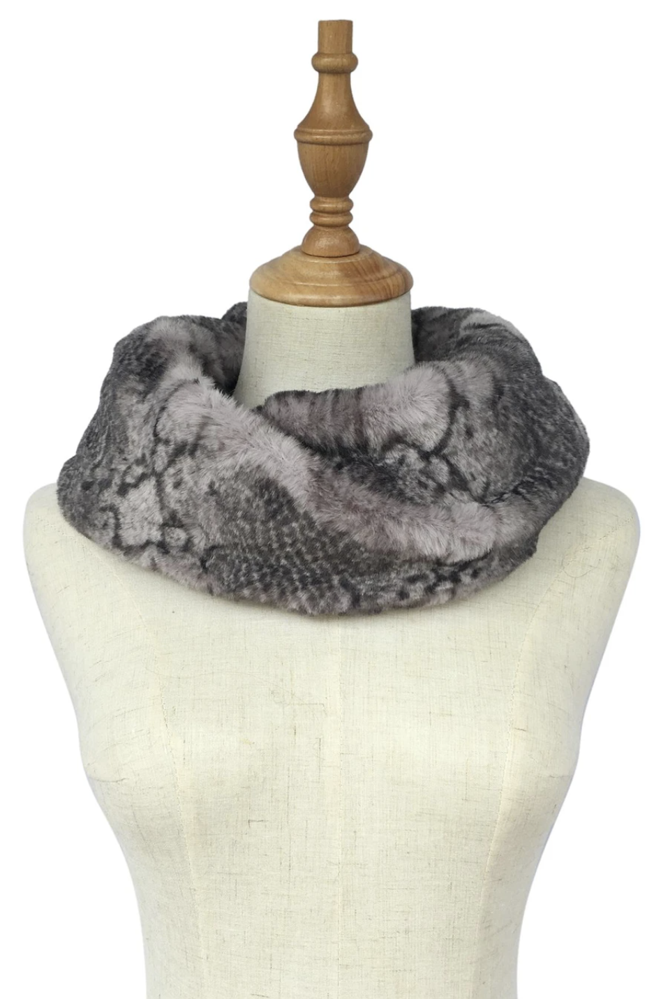 3373 Snakeskin Print Faux Fur Soft Snood