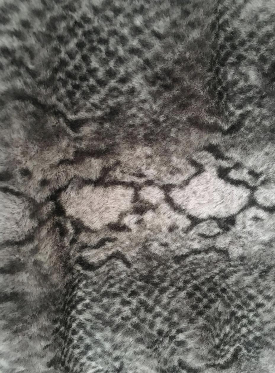 3373 Snakeskin Print Faux Fur Soft Snood