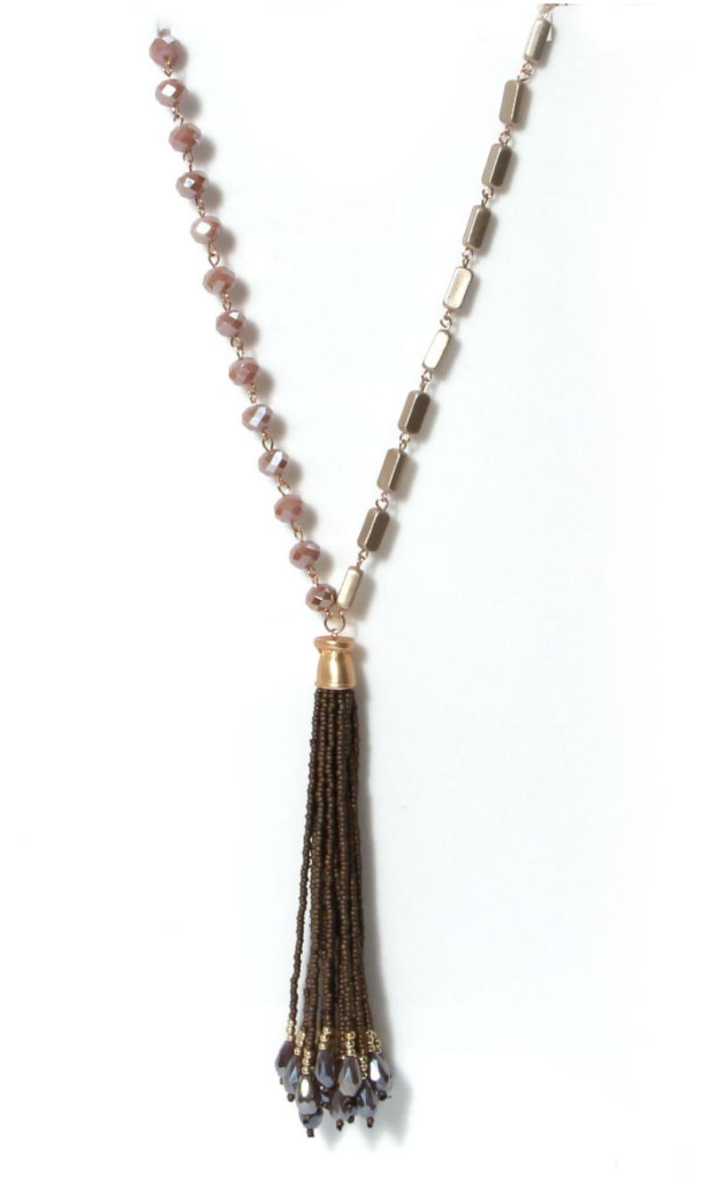 1135 ENVY Tassle Necklace
