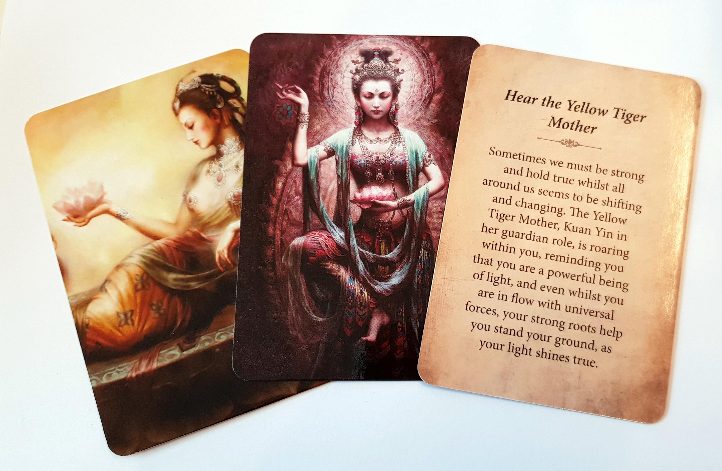 Kuan Yin Oracle Cards - pocket