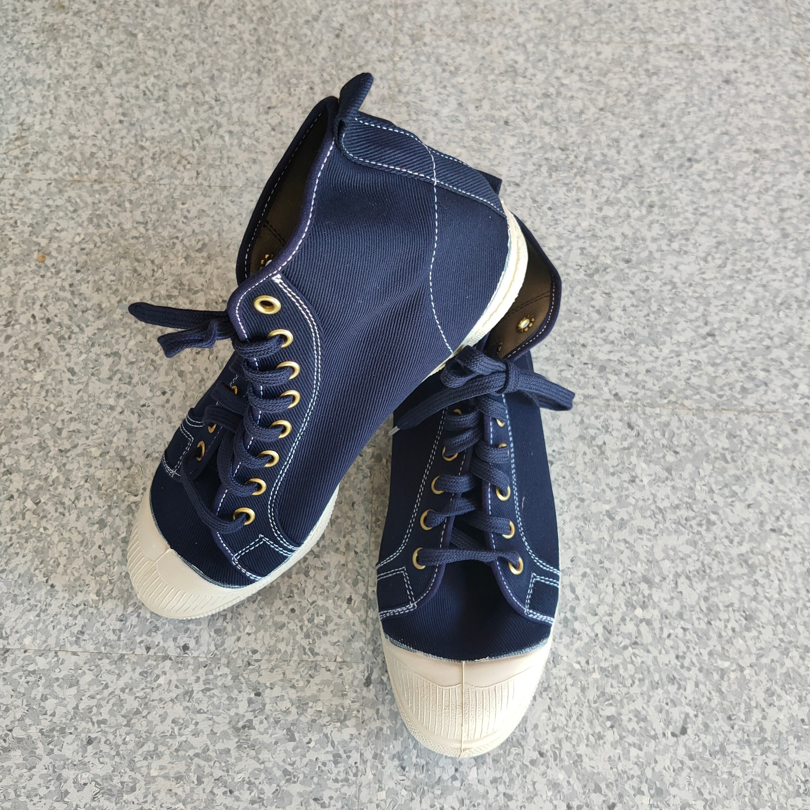 Ben Simon- Stella hi-top- Navy w/contrast stitch