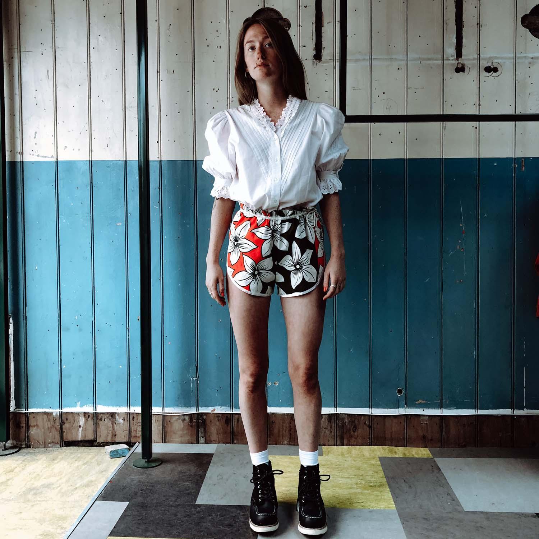 Vintage- Drawstring floral shorts
