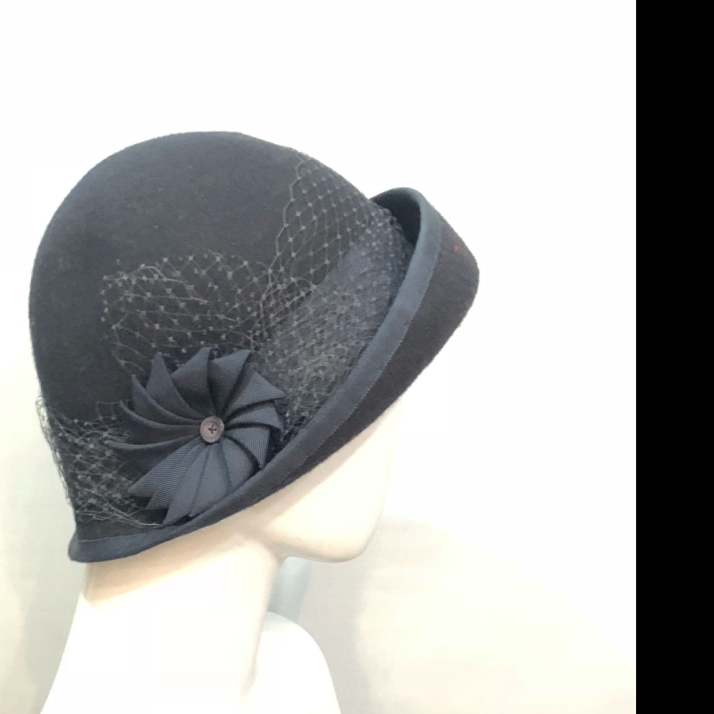 Stoke Park - navy with veiling