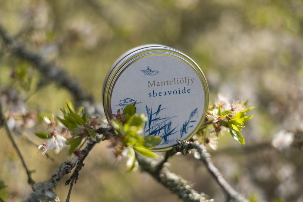 Manteliöljy Sheavoide - Ikääntymisen merkkejä vastaan tehokkaasti taisteleva kevyt ja luonnollinen voide. Luomu, luonnollinen, vegaaninen