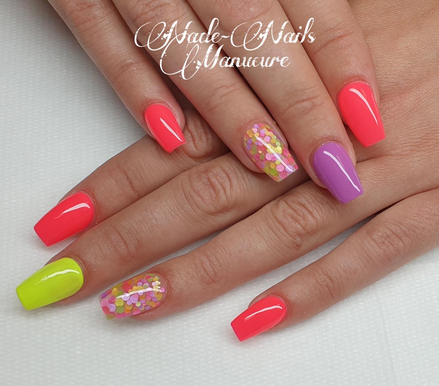 Nade-Nails