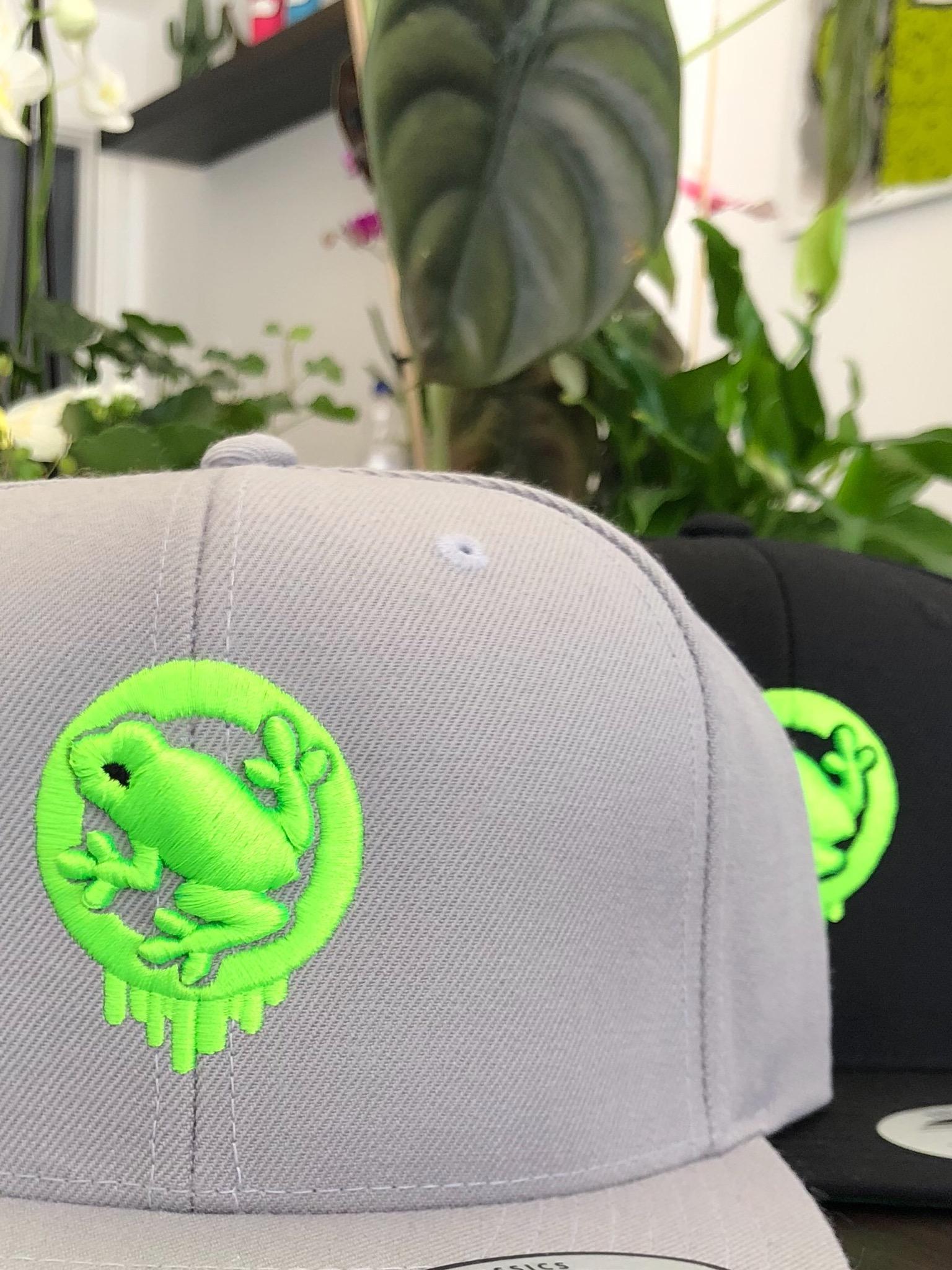 Caps Logo Gray