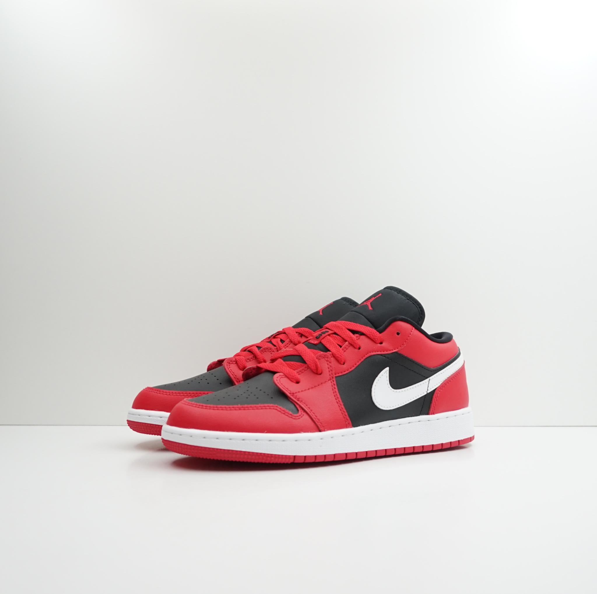 Jordan 1 Low Black Very Berry (GS)