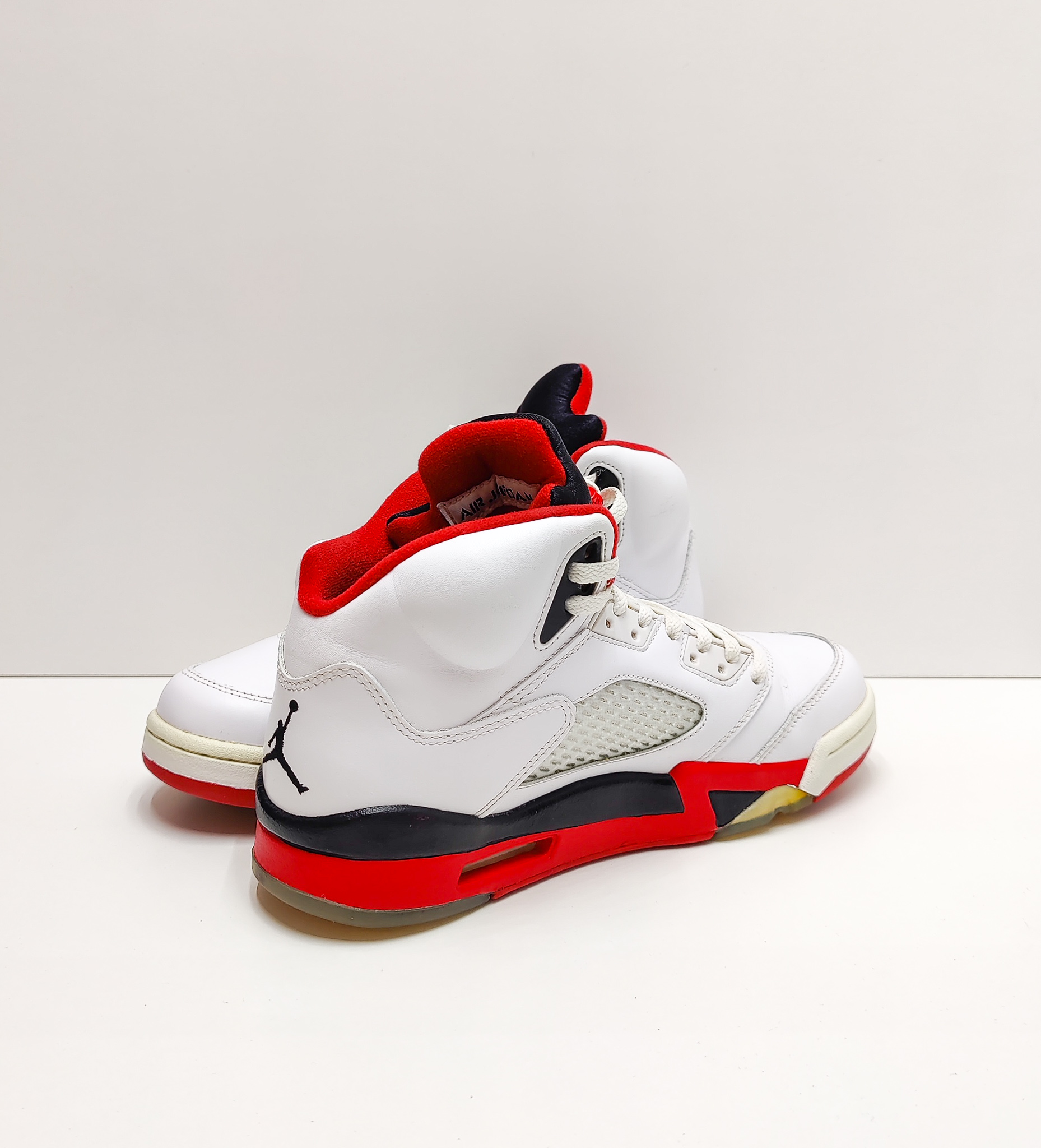 Jordan 5 fire red (2013)