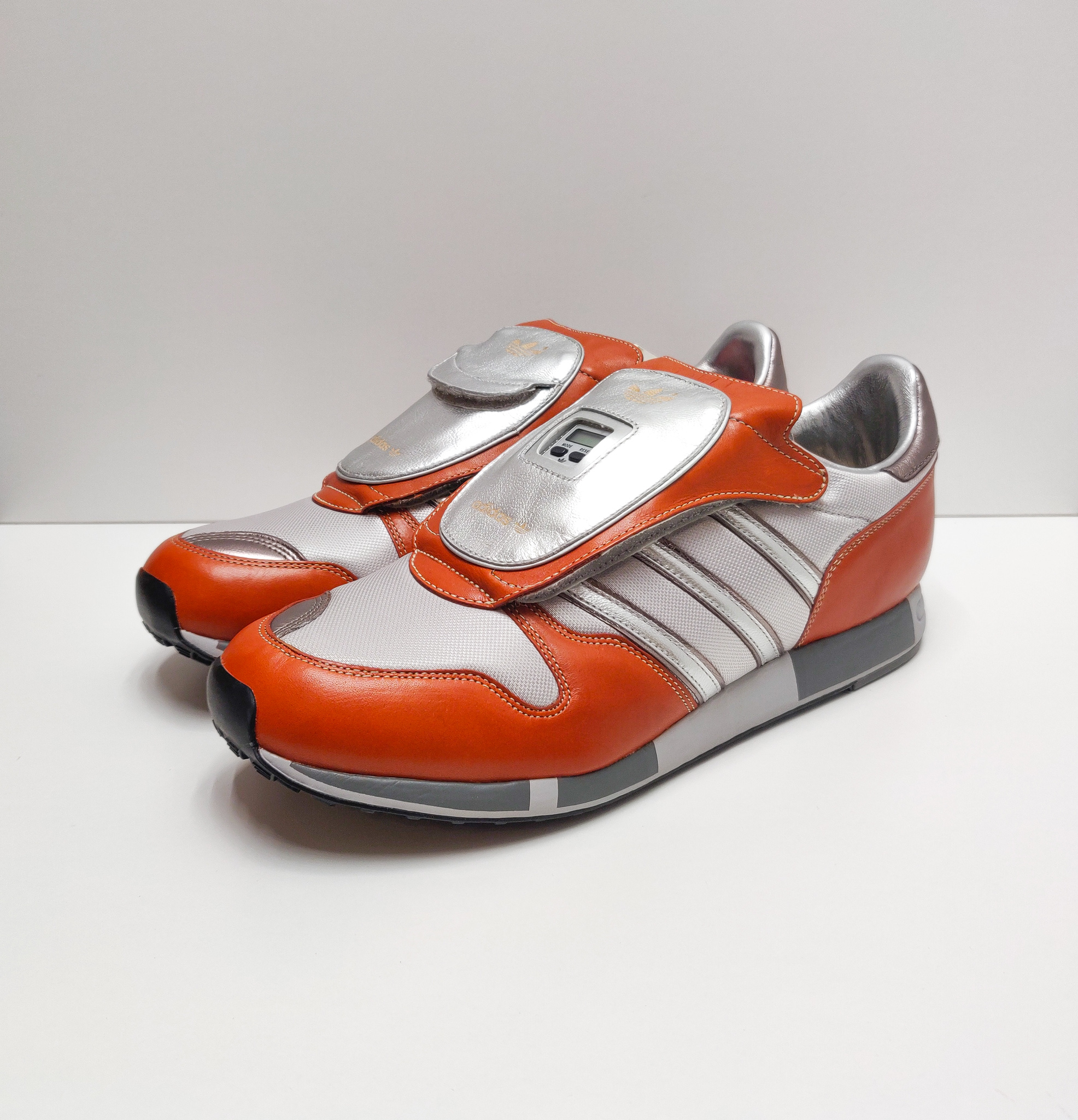 Adidas Micropacer Phone