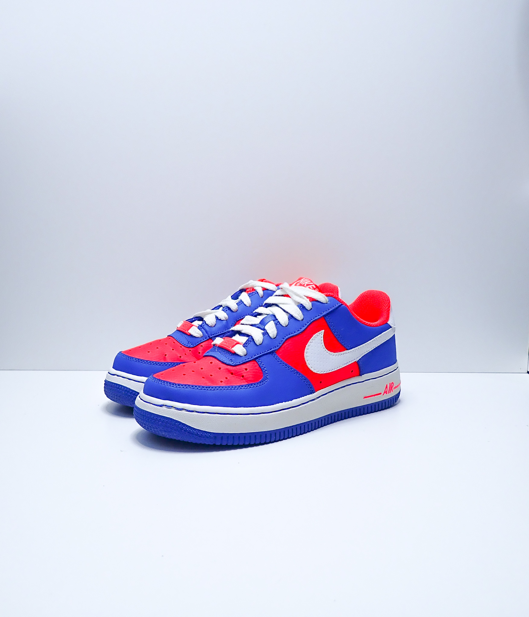 NikeAir Force 1 Low Laser Crimson