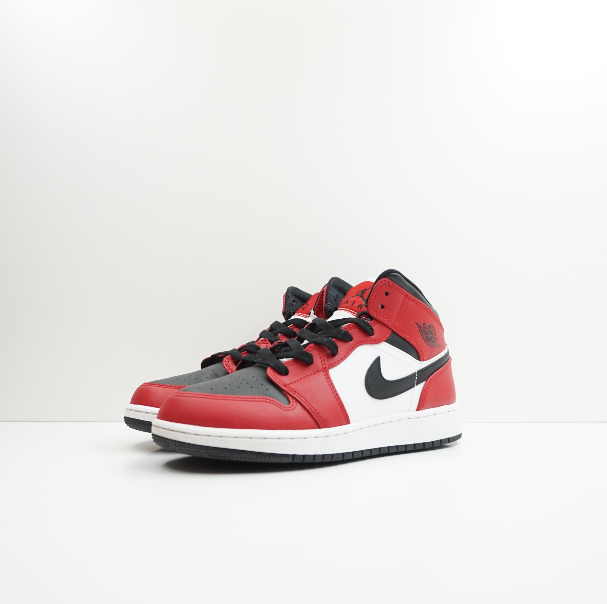 Jordan 1 Mid Chicago Black Toe (GS)