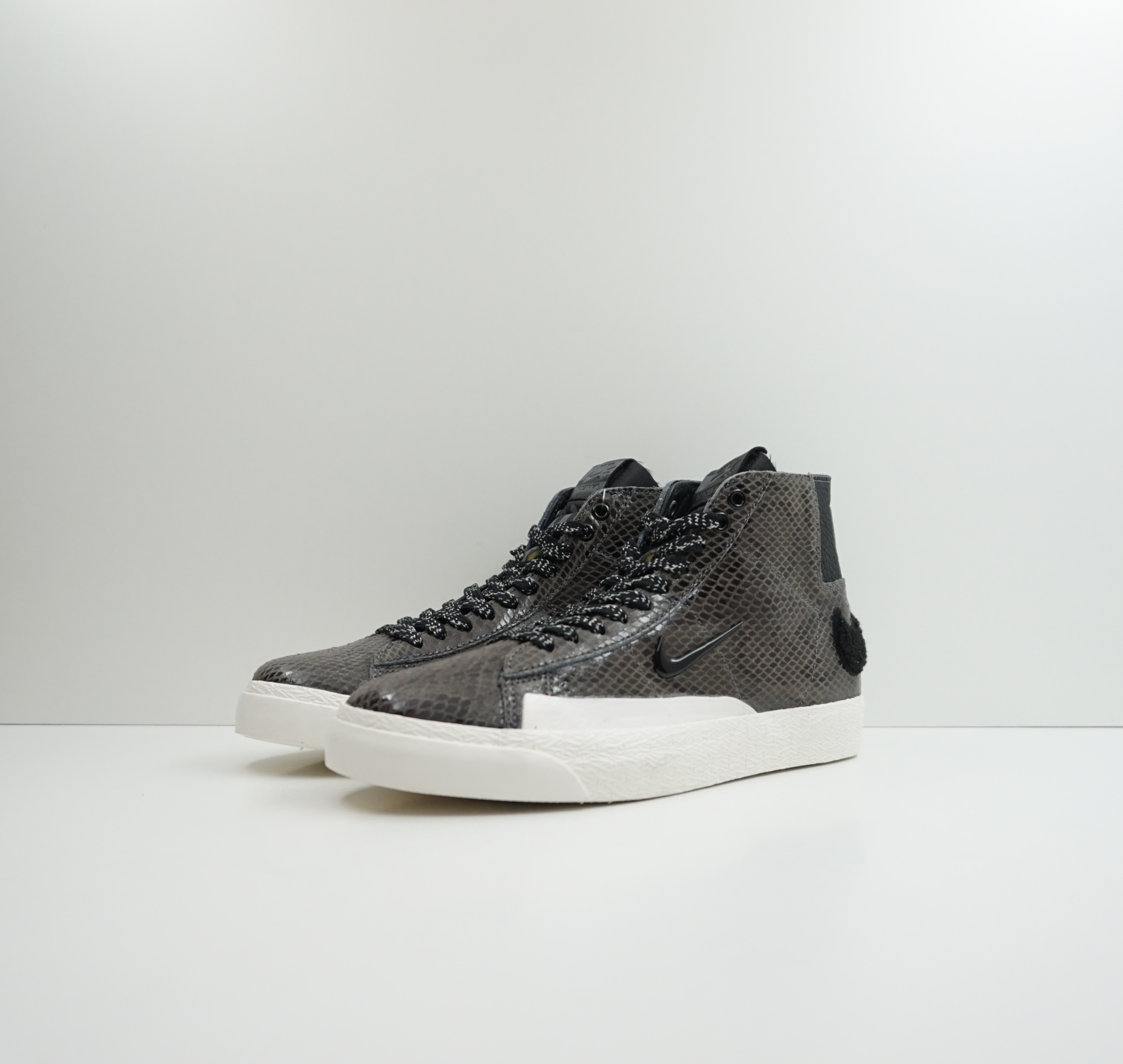 Nike SB Blazer Mid QS Soulland (Friends and Family)