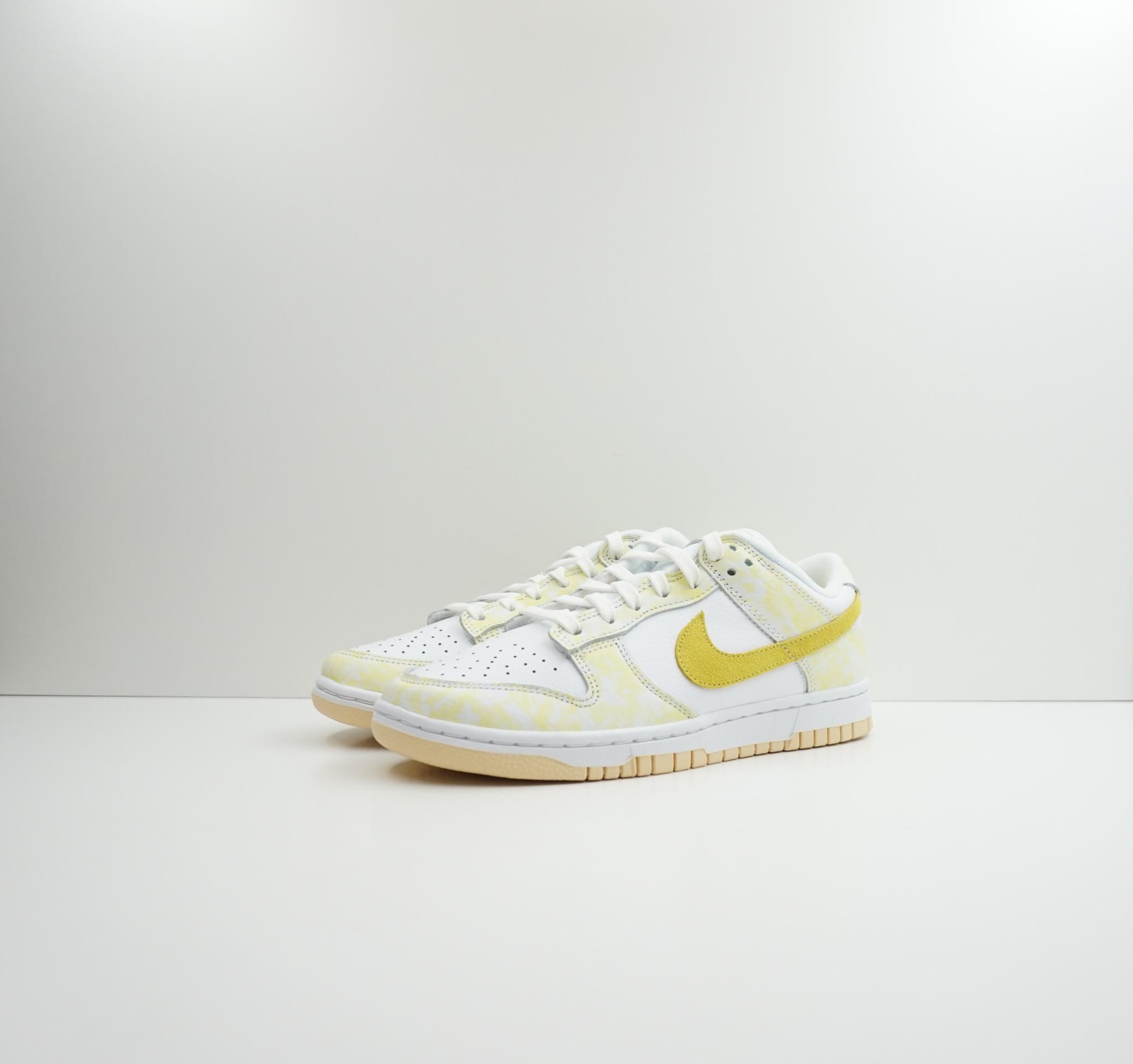 Nike Dunk Low Strike Yellow (W)