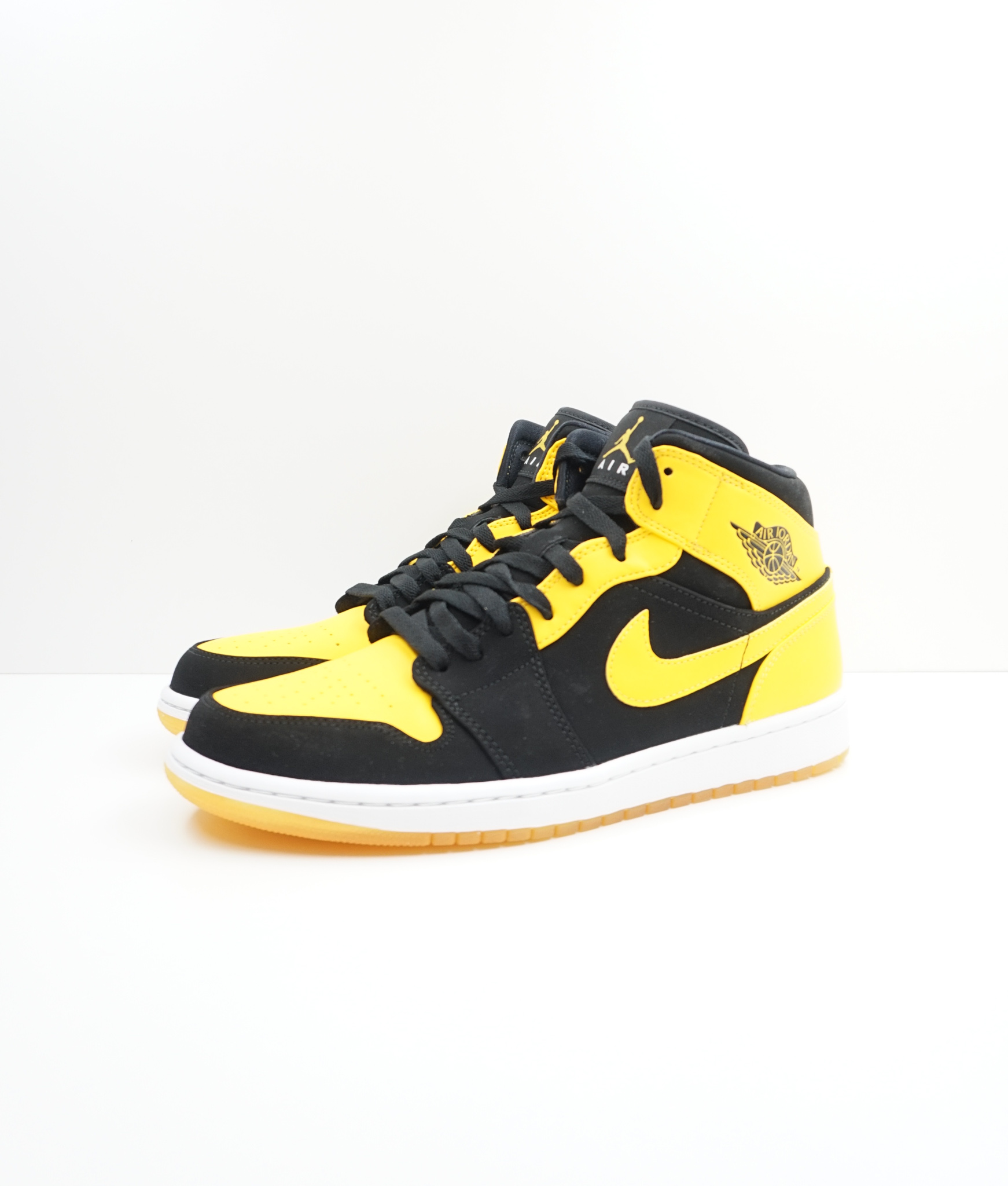 Jordan 1 Retro Mid New Love