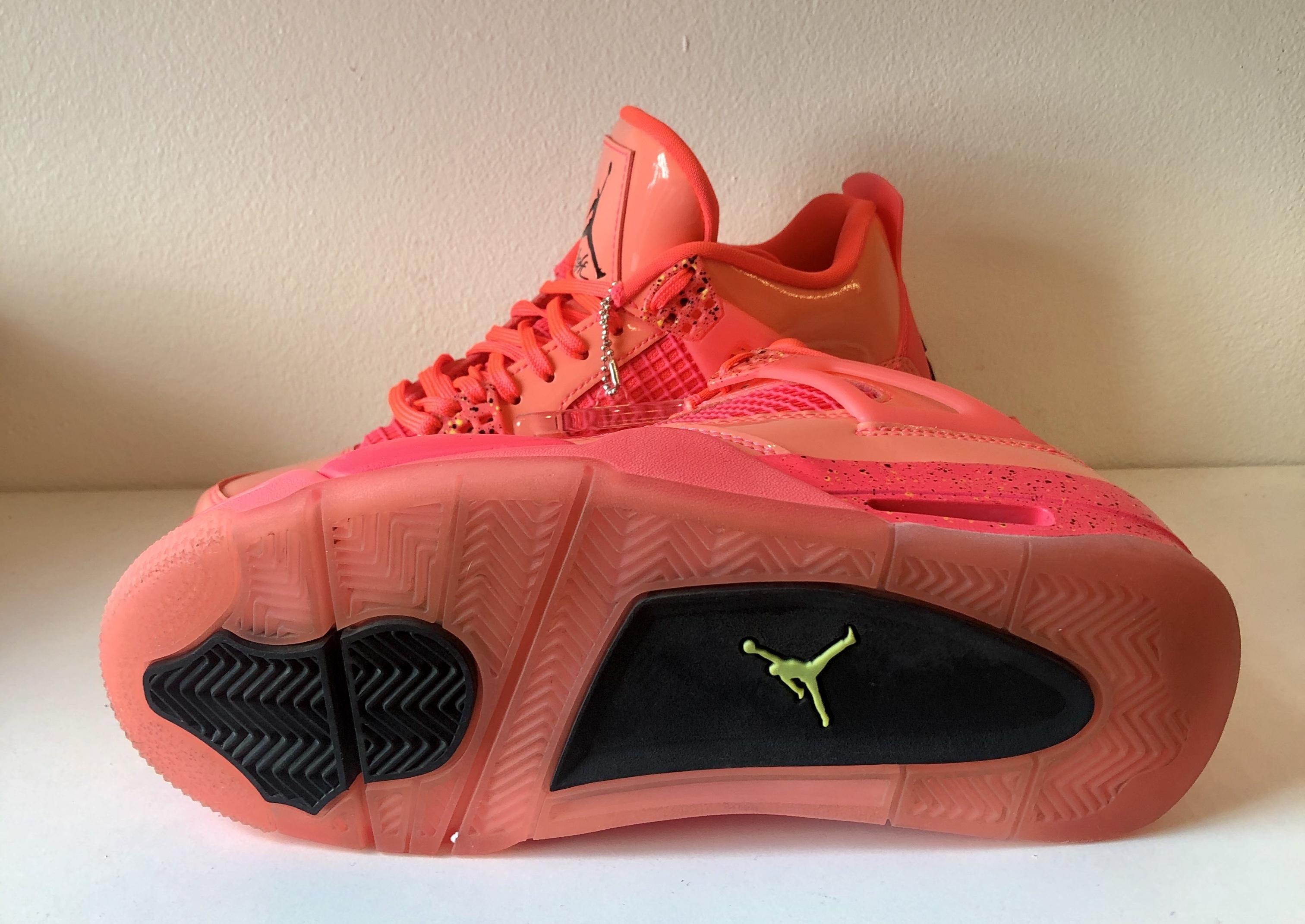 Jordan 4 Retro Hot Punch