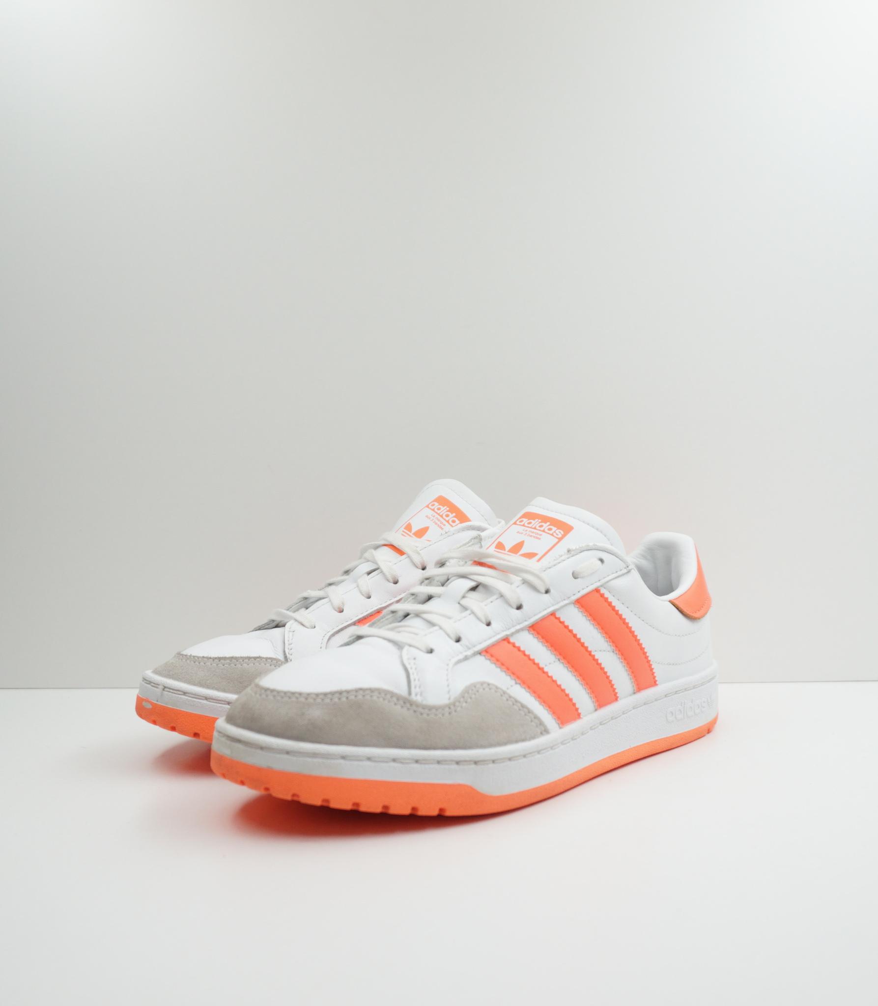 Adidas Team Court (W)