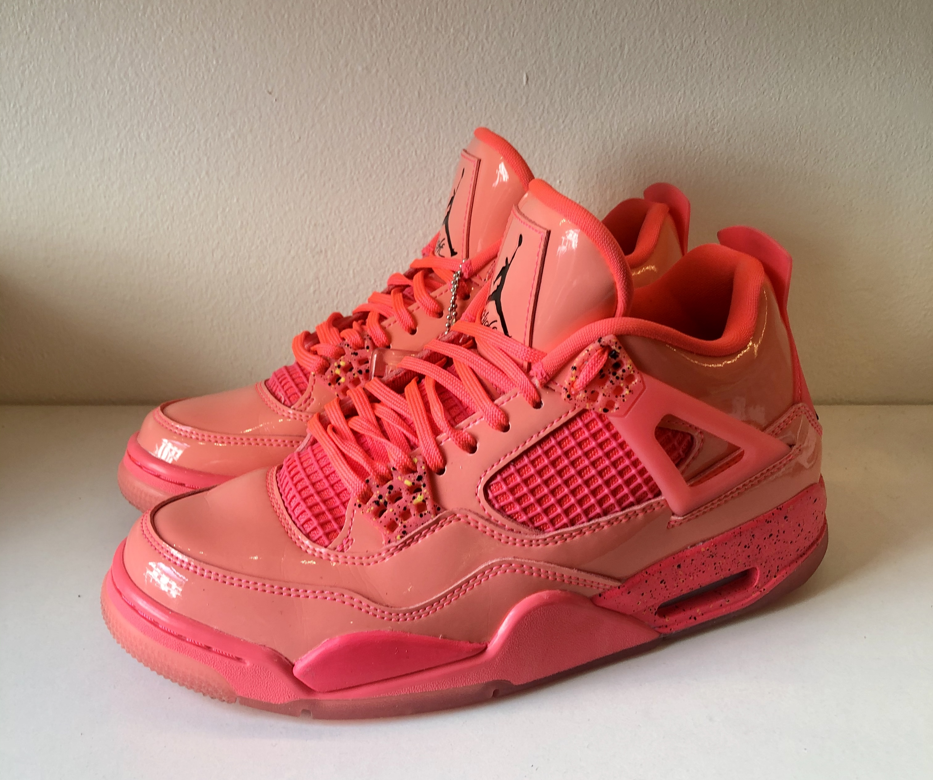 Jordan 4 Retro Hot Punch