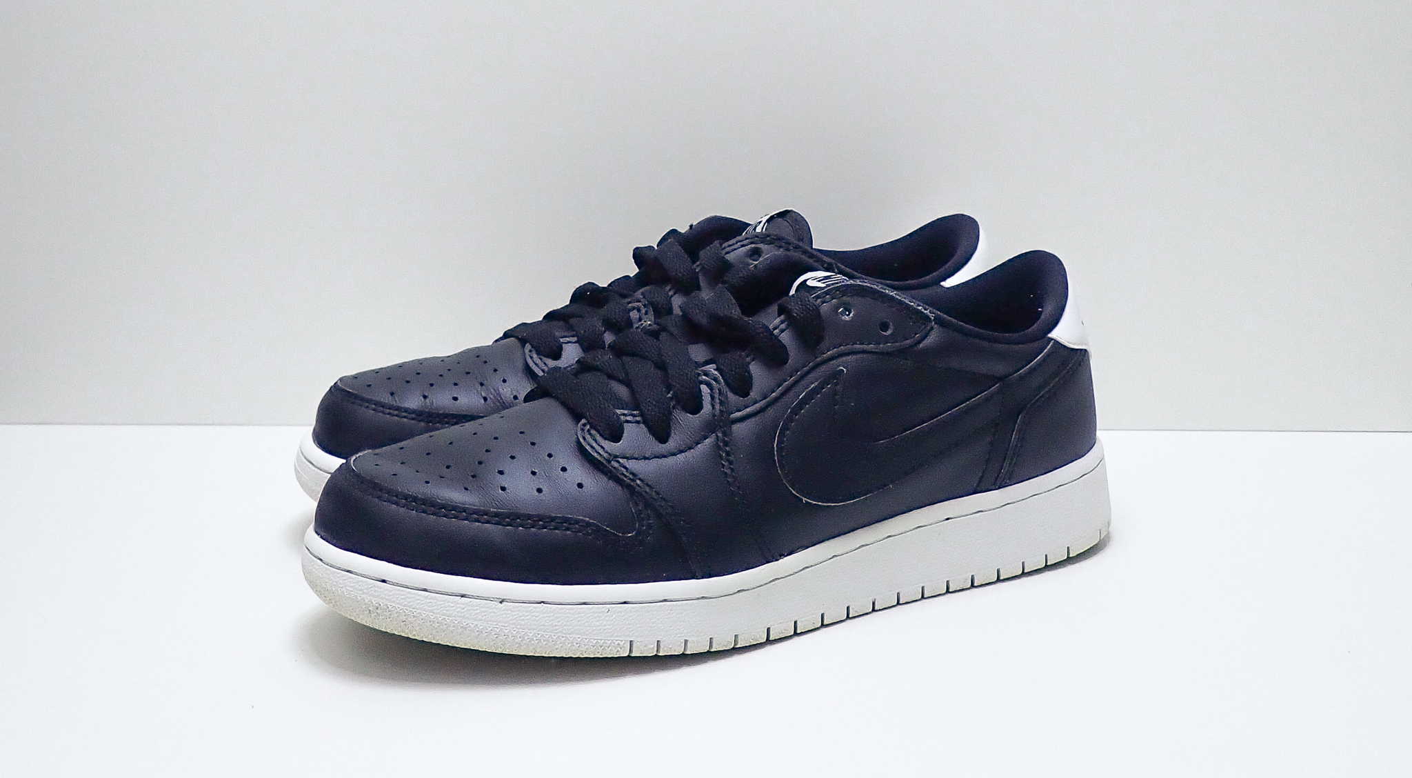 Jordan 1 Low OG BG Cyber Monday (GS)