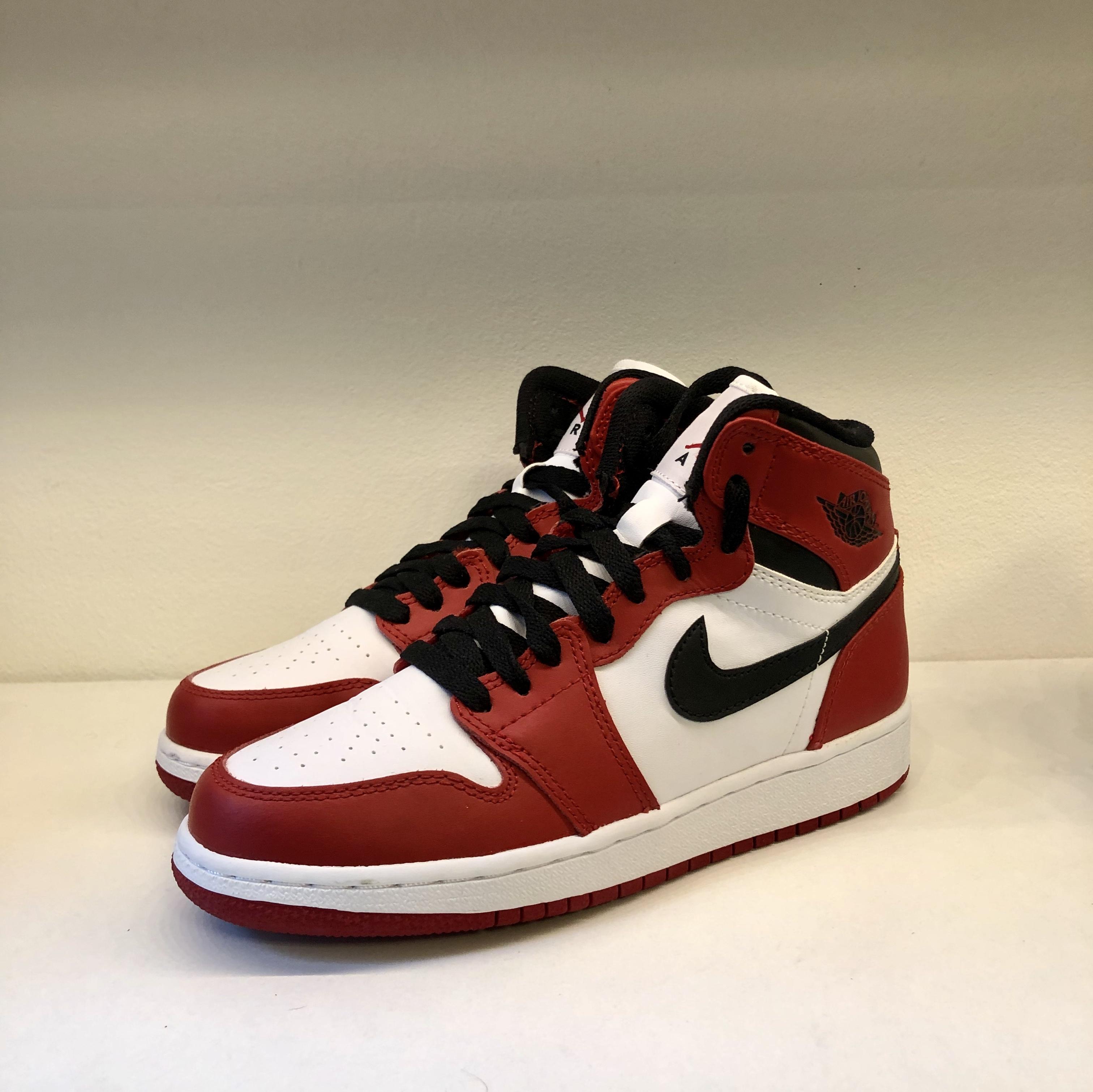 Jordan 1 Retro Chicago GS