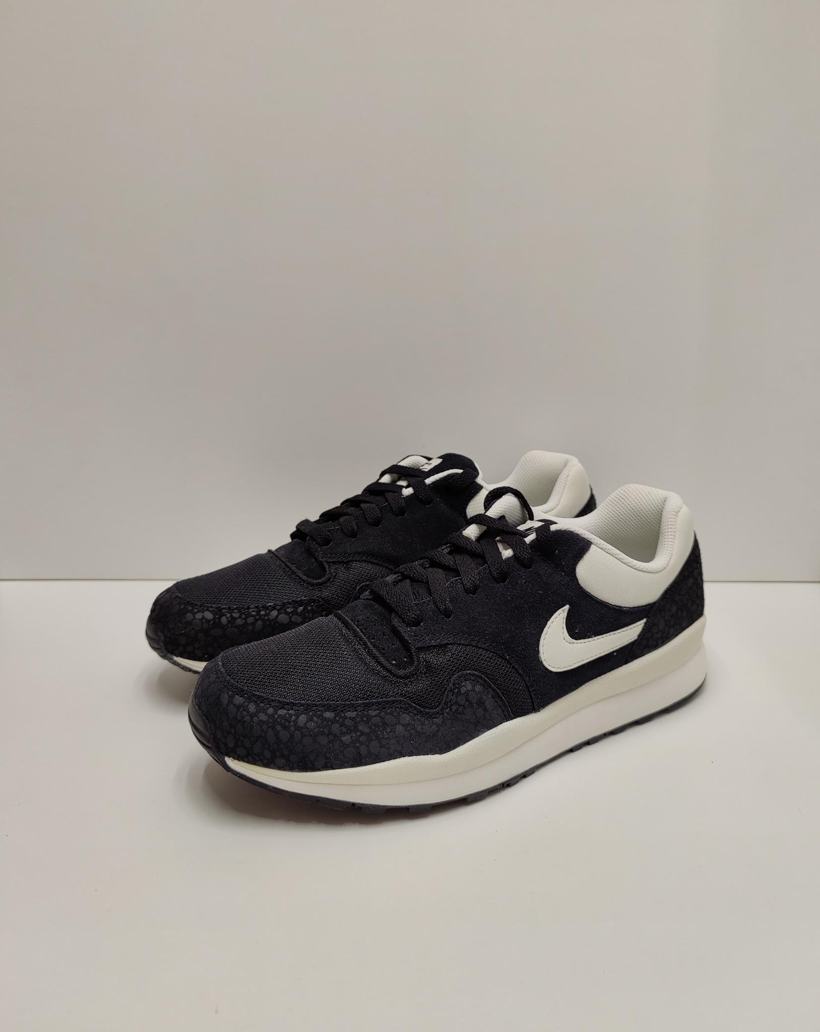 Nike Air Safari Black/Sail