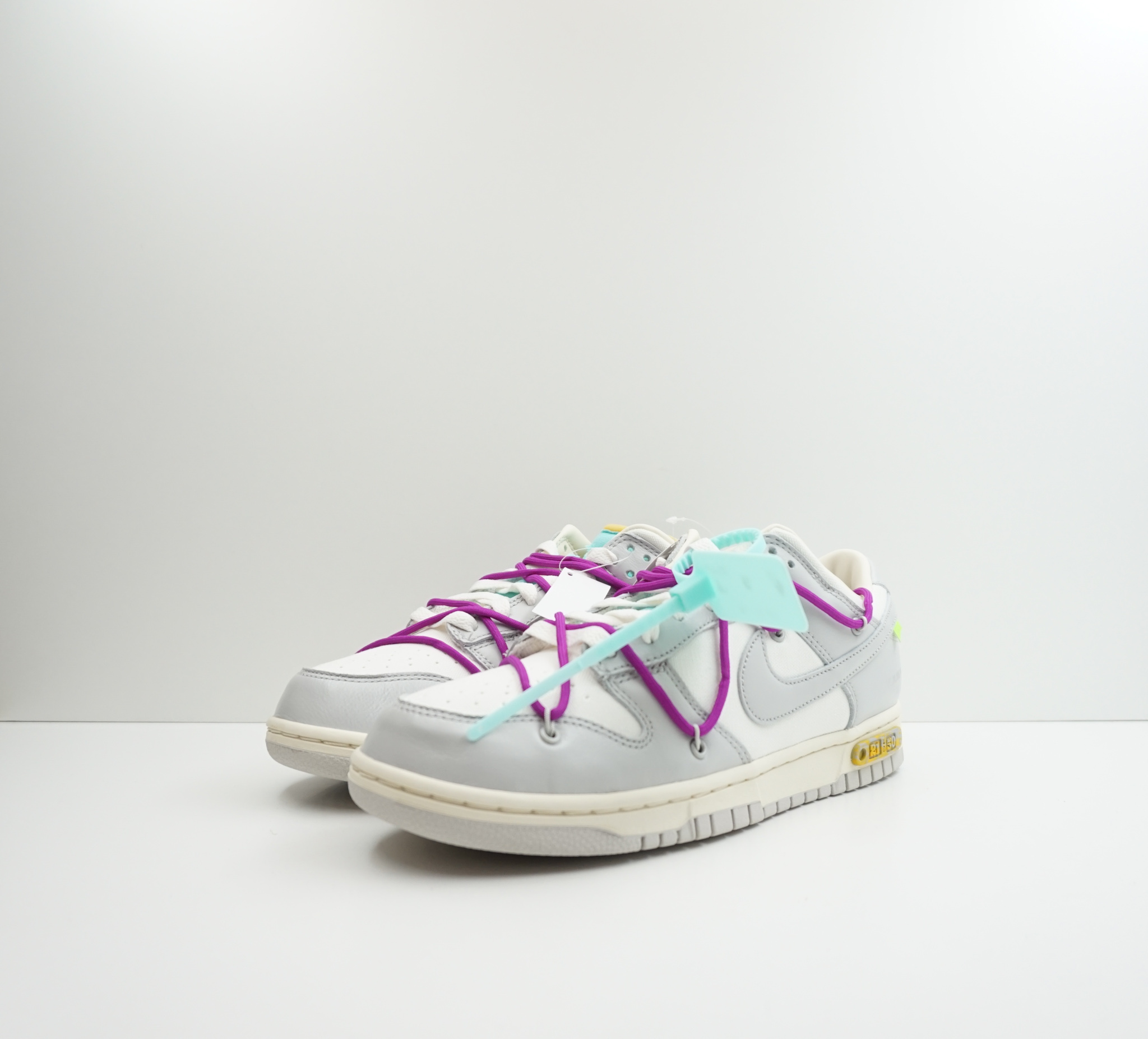 Nike Dunk Low Off White Lot 21