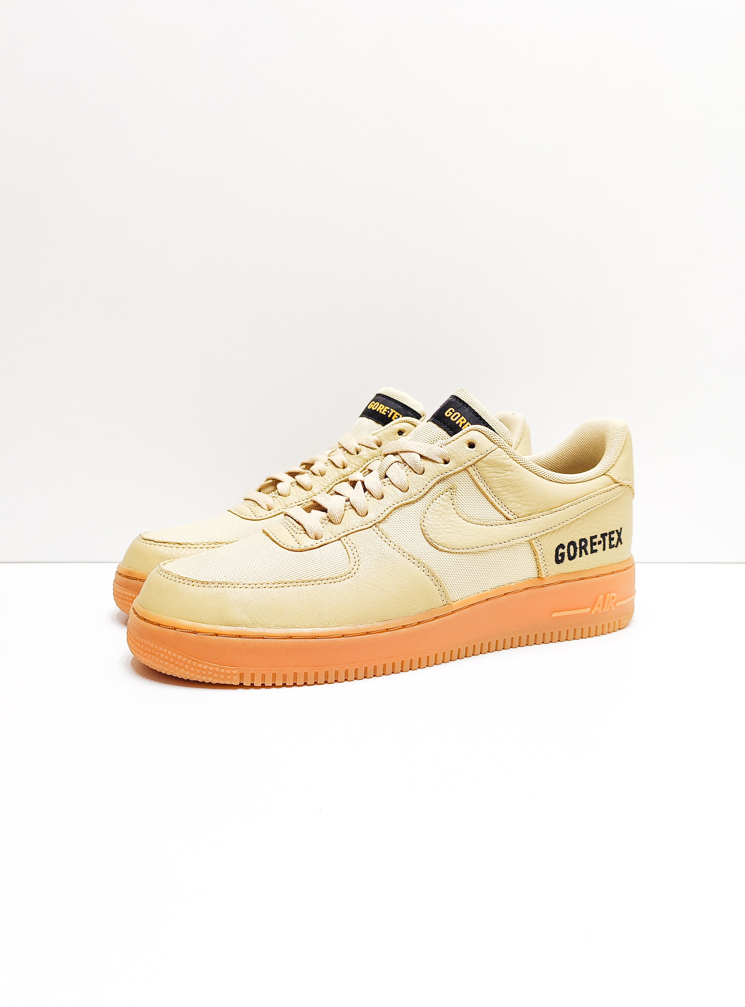 Nike Air Force One Low Gore-Tex Team Gold Khaki