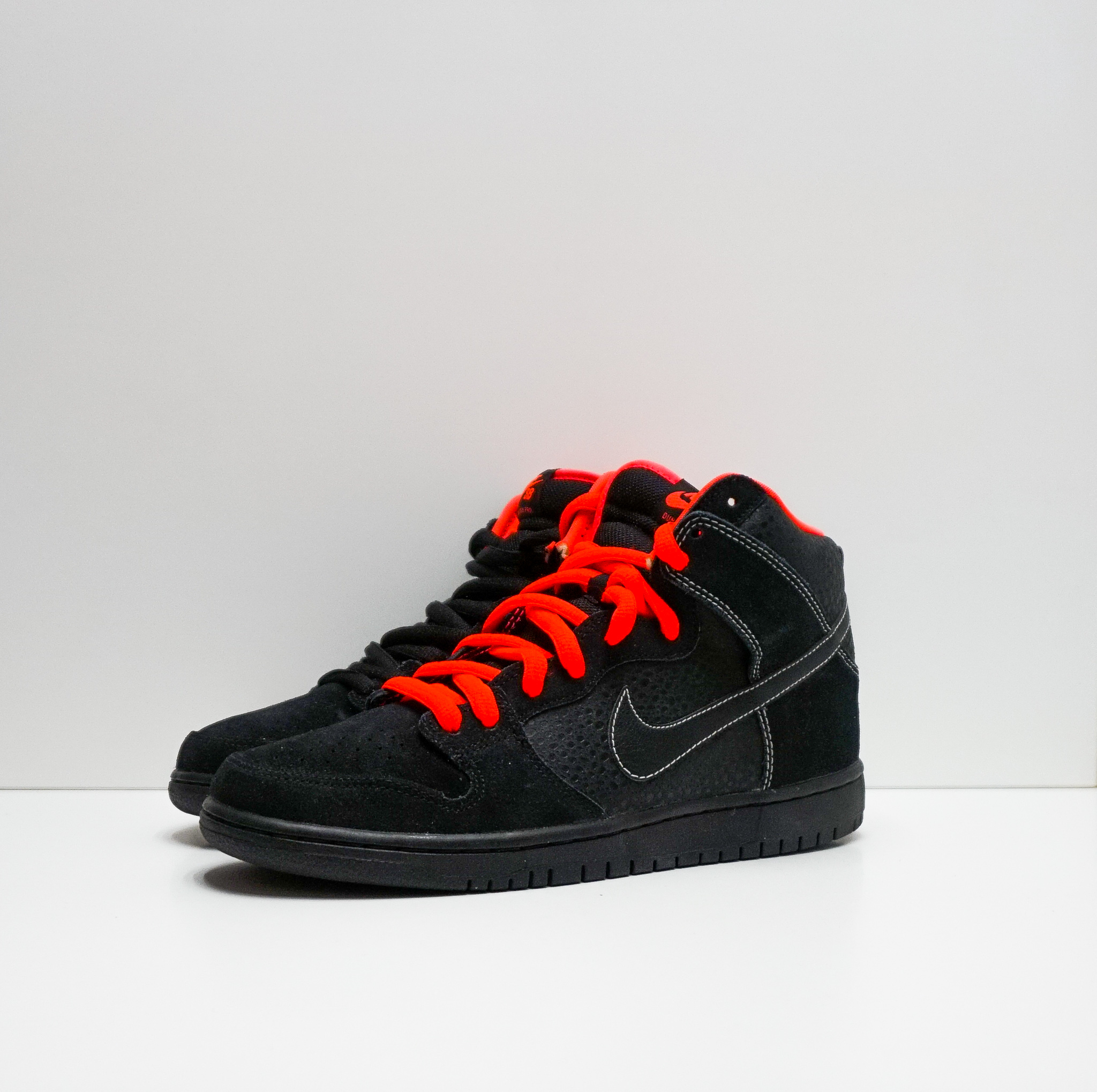 Nike Dunk SB High Black Safari Atomic Red