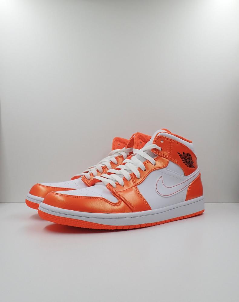 Jordan 1 Mid SE Electro Orange