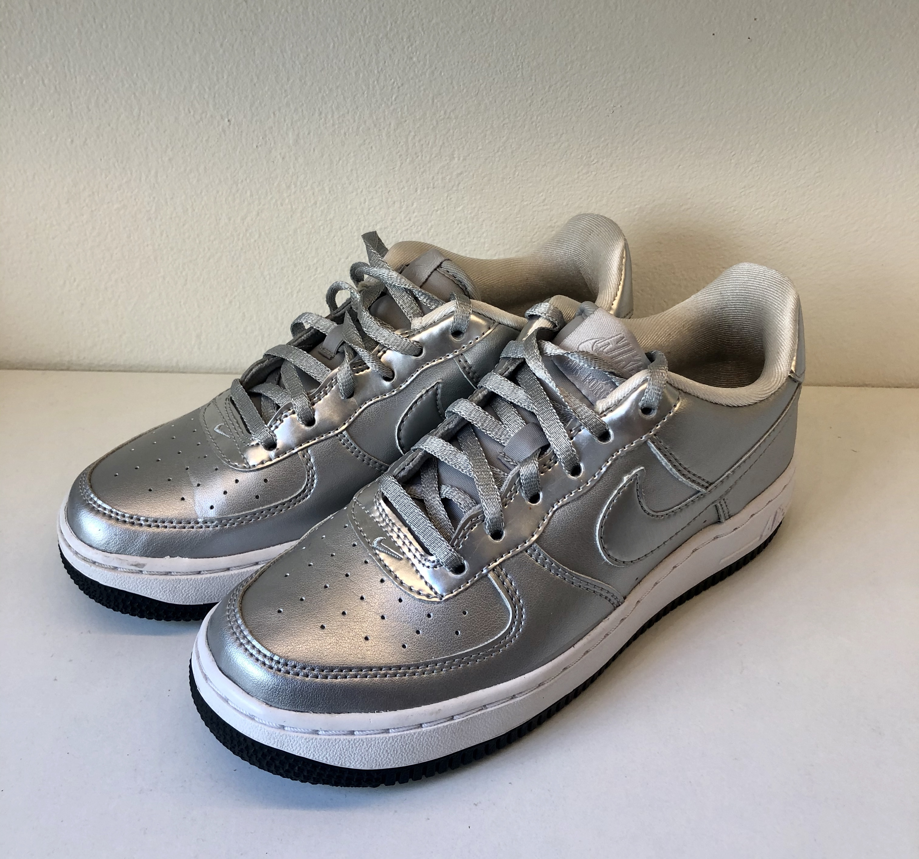 Nike Air Force 1 SE GS Metallic Silver