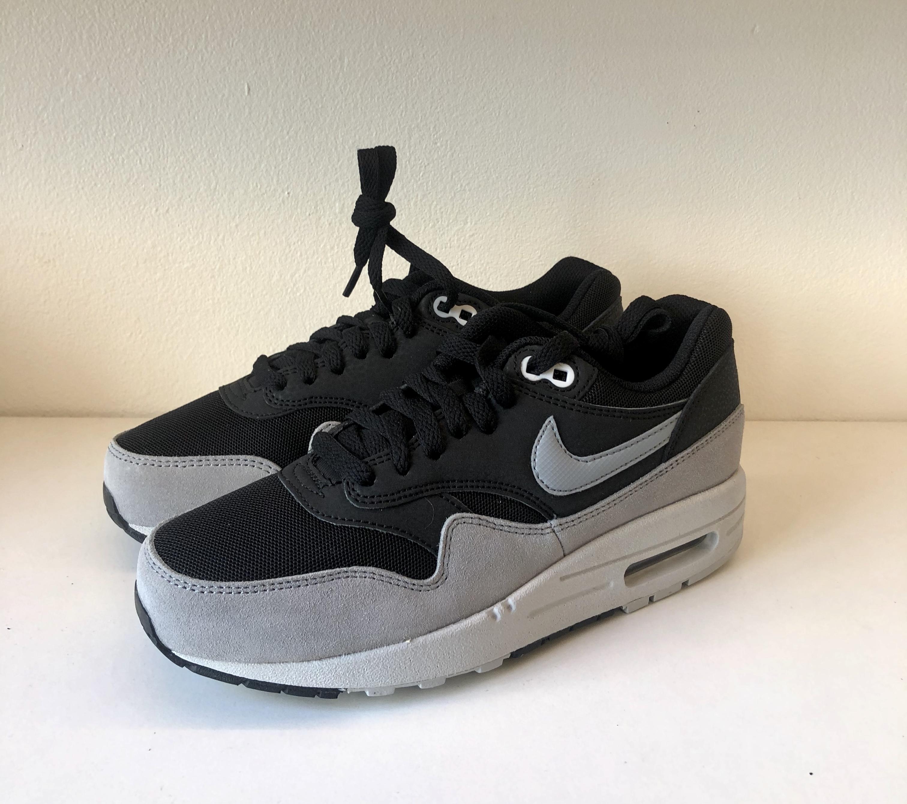 Nike Air Max 1 Essential Black Dove Grey-Pure Platinum