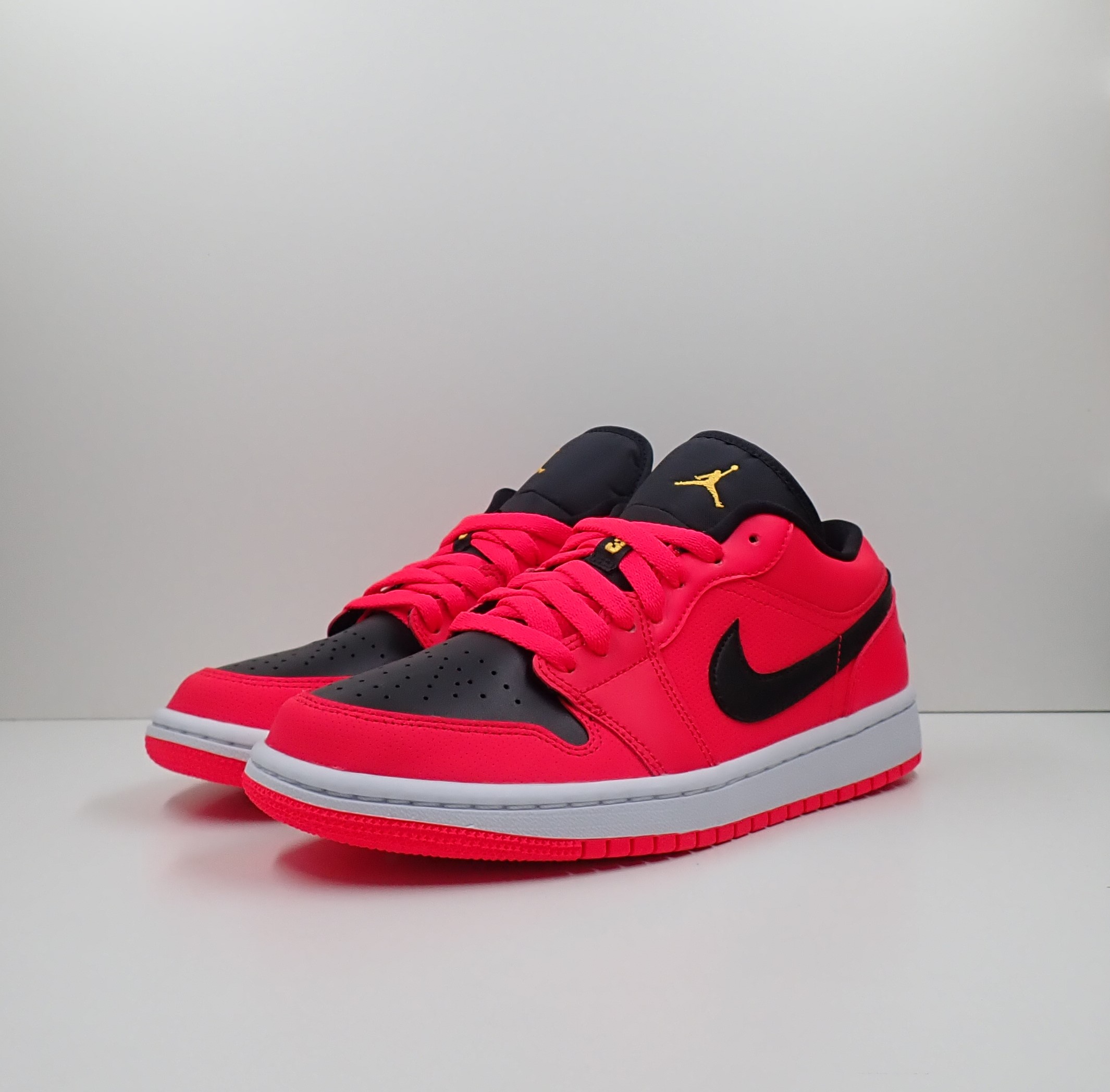 Jordan 1 Low Siren Red (W)
