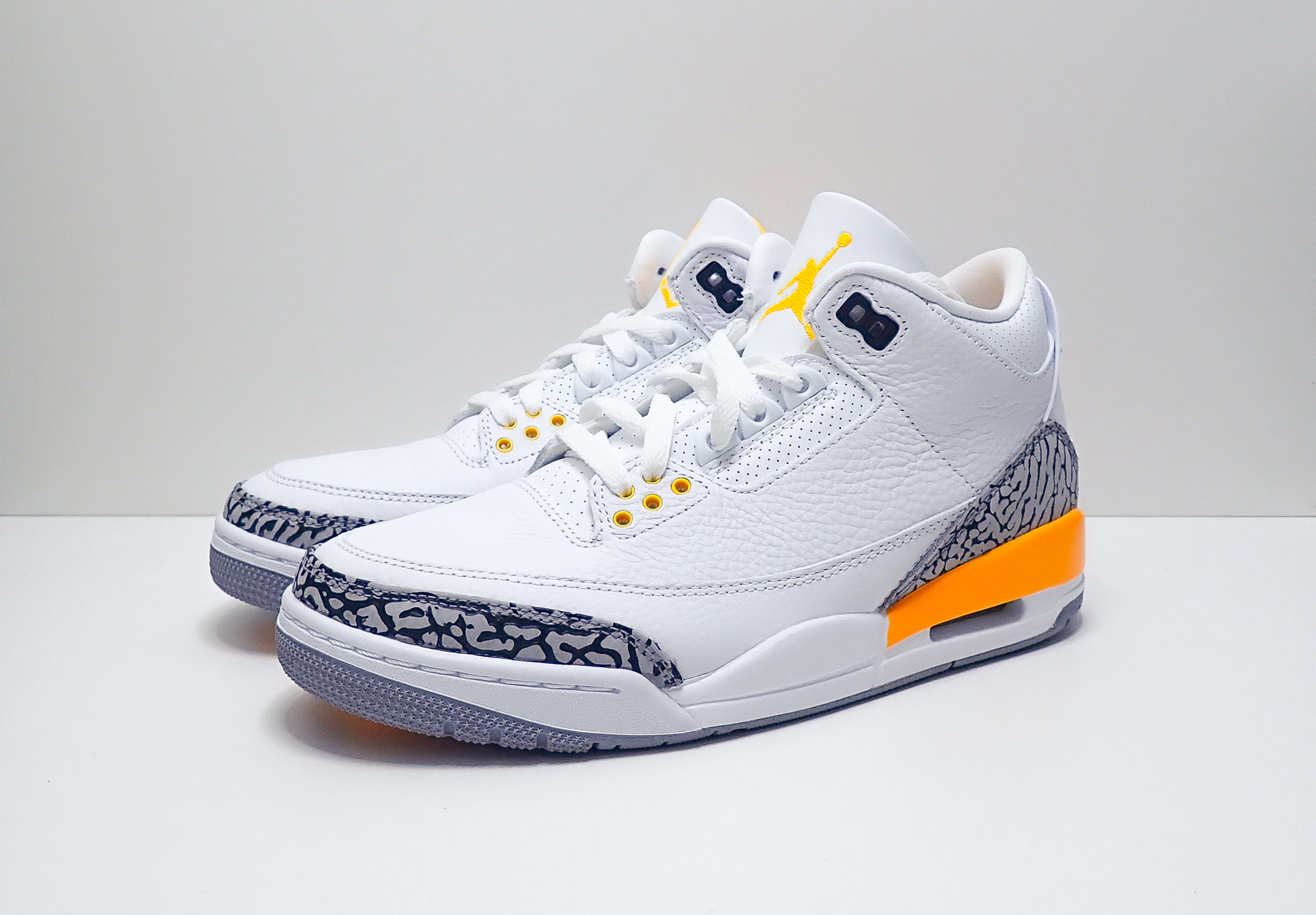 Jordan 3 Retro Laser Orange (W)