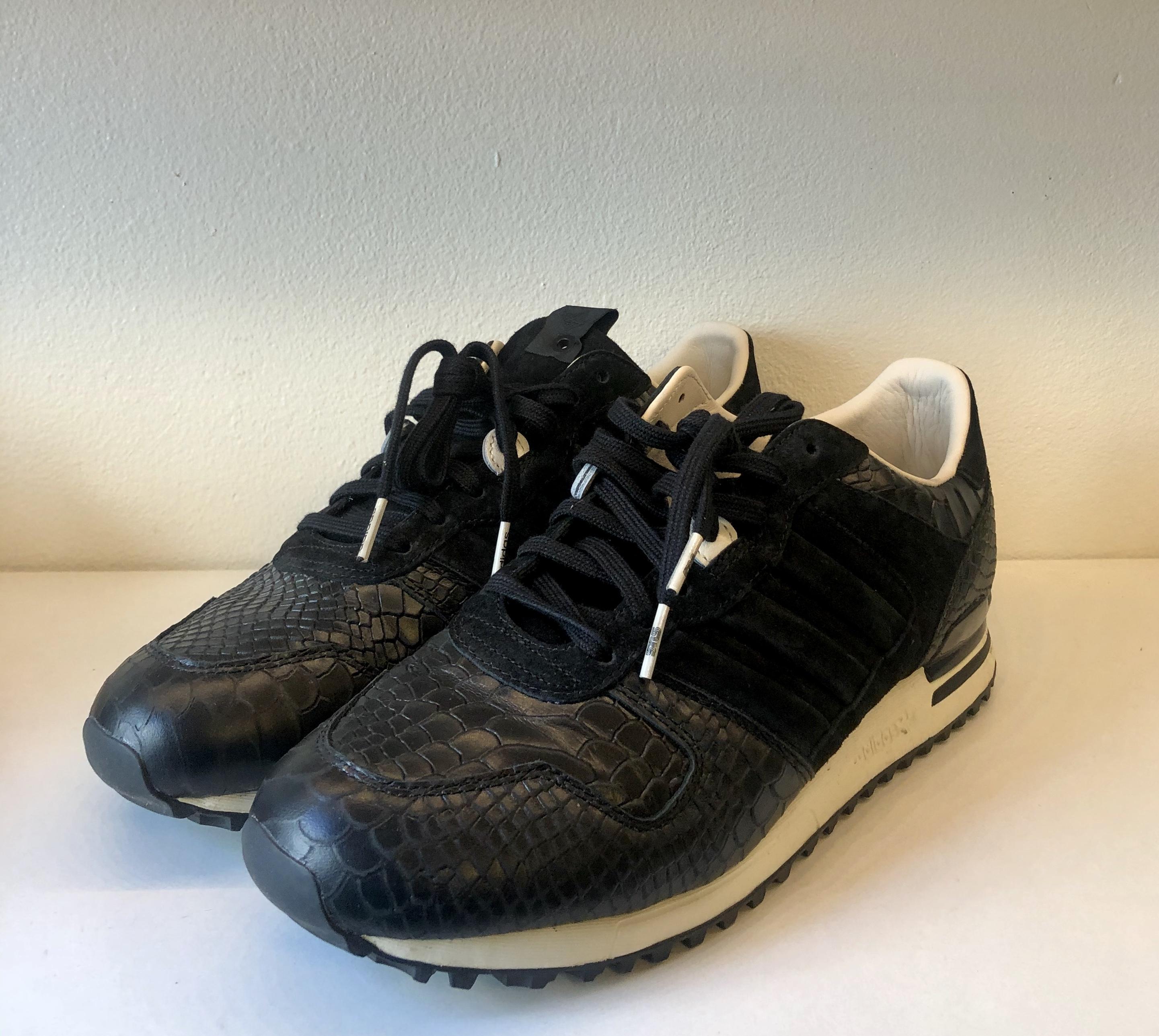 Adidas ZX 700 Sneakersnstuff