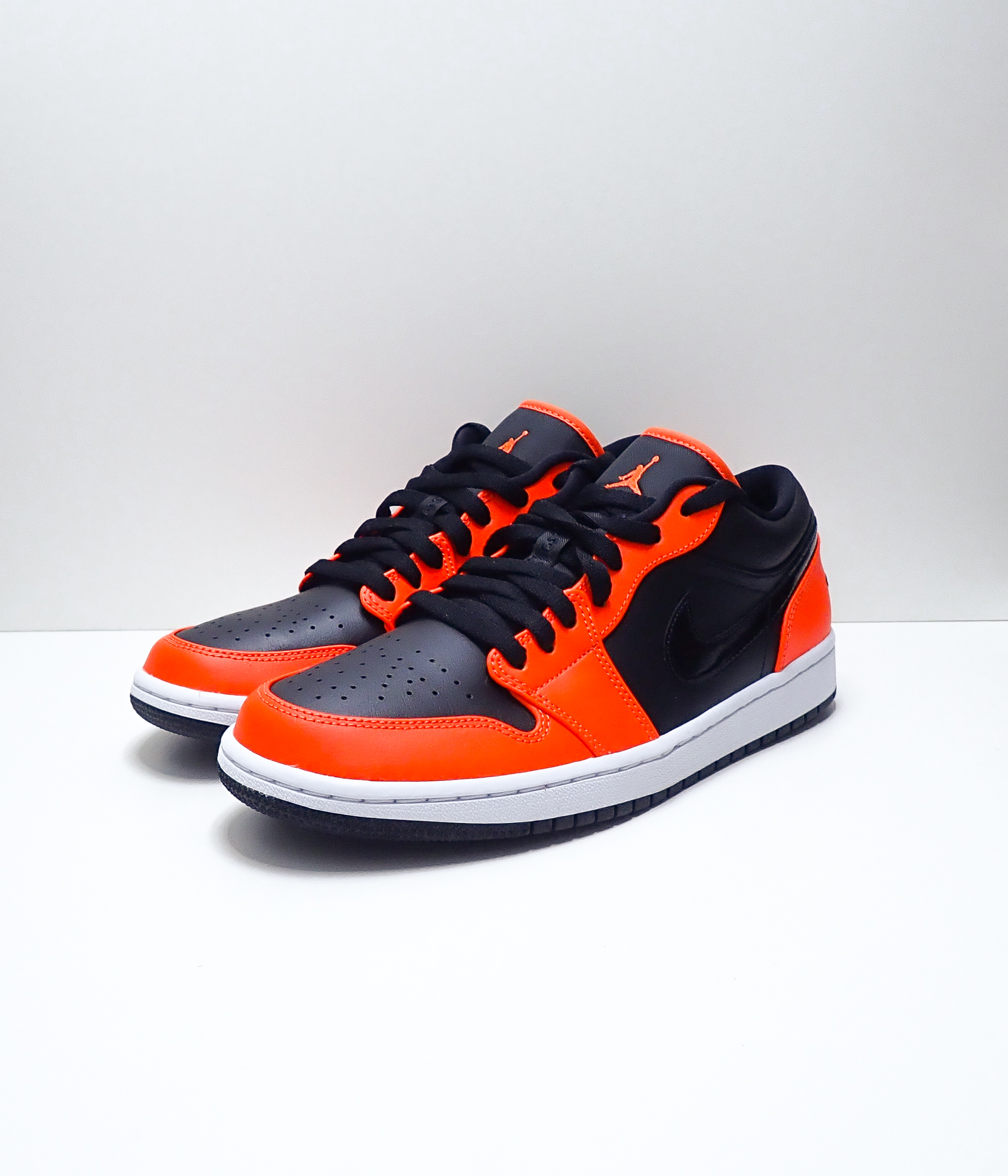 Jordan 1 Low SE Turf Orange