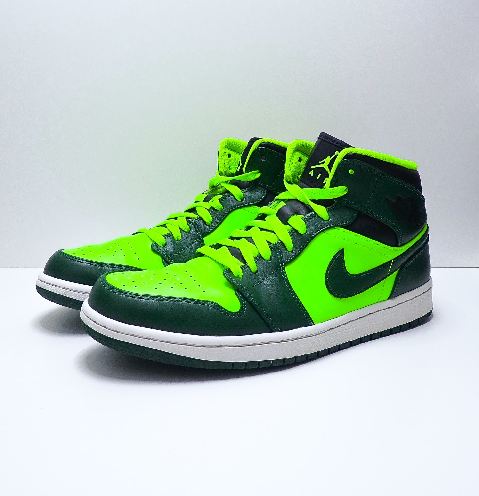 Jordan 1 Retro Mid Gorge Green