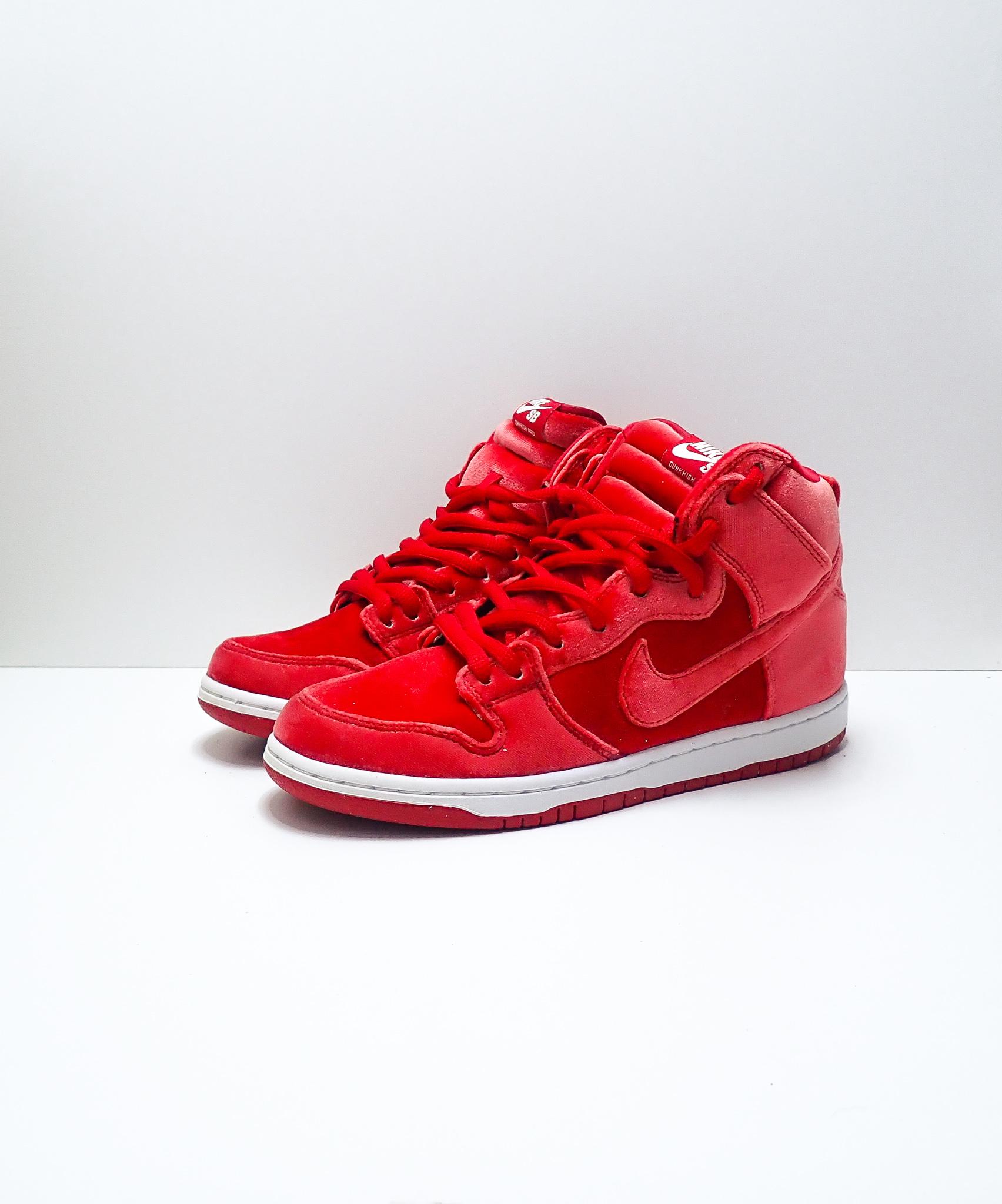 Nike Dunk SB High Red Velvet