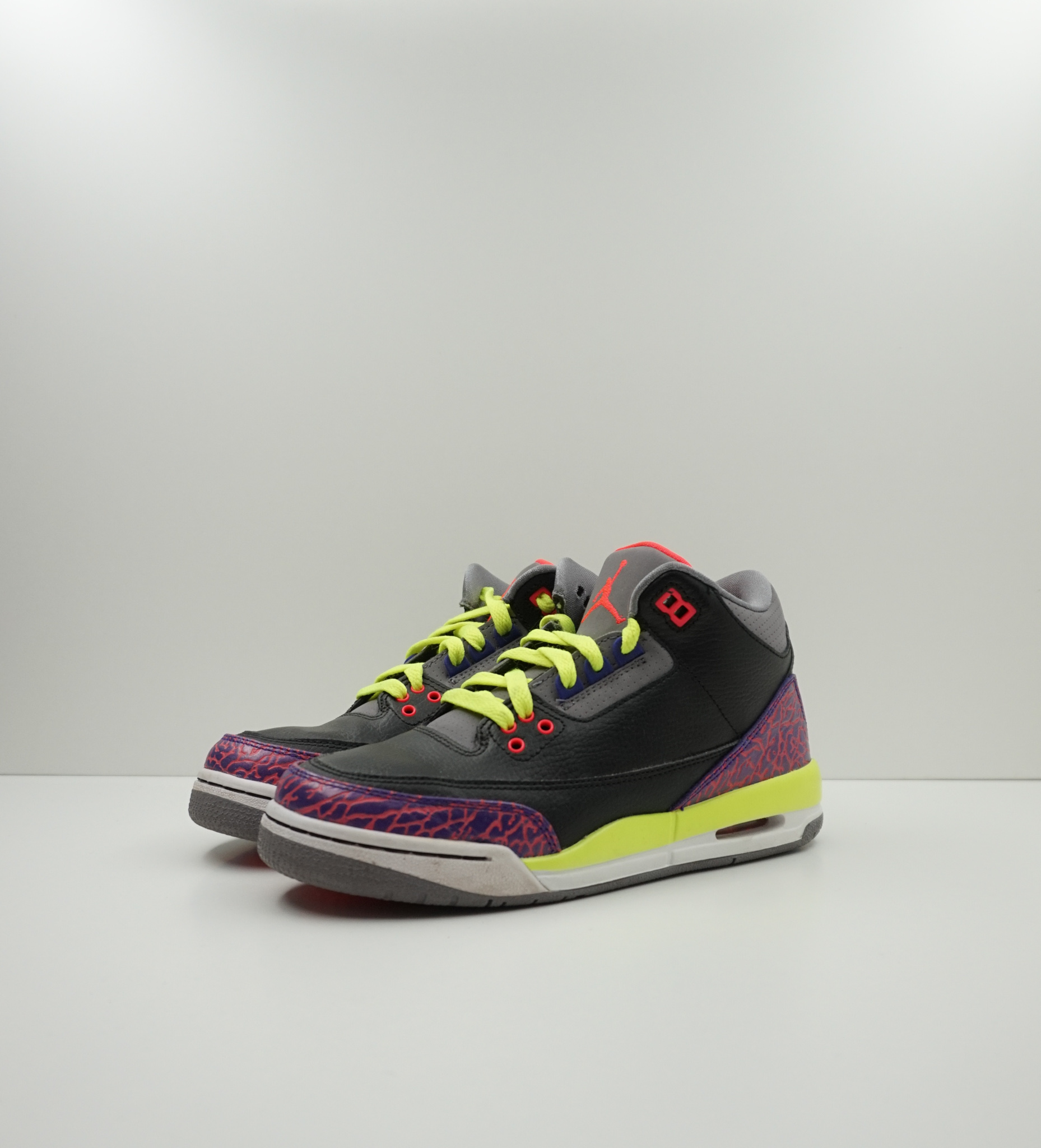 Jordan 3 Retro Black Atomic Red Volt (GS)