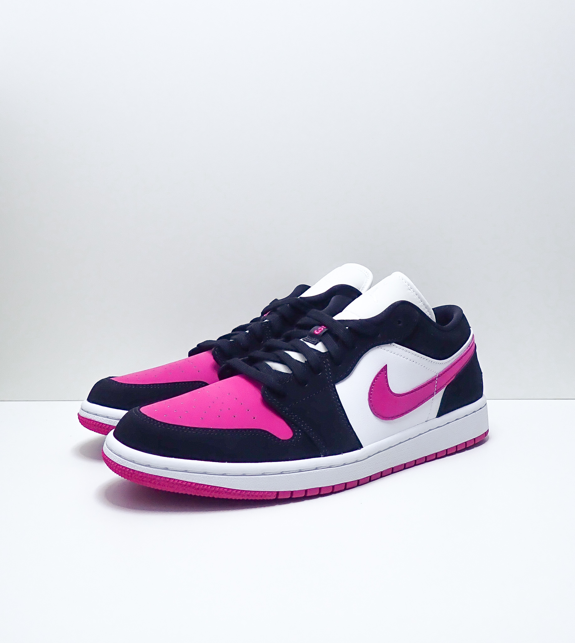 Jordan 1 Low Berry