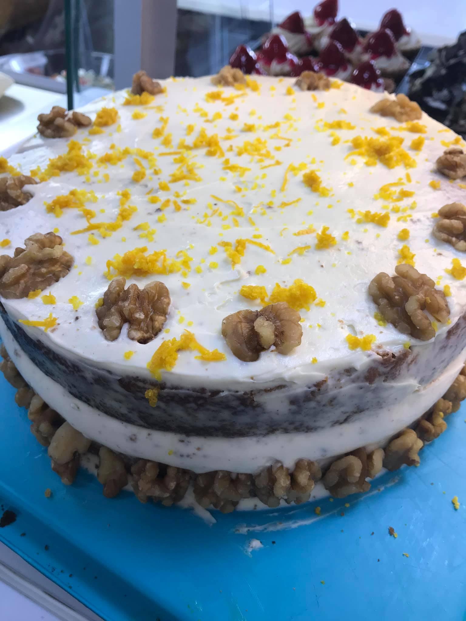 Carrot Cake (12 Servings)