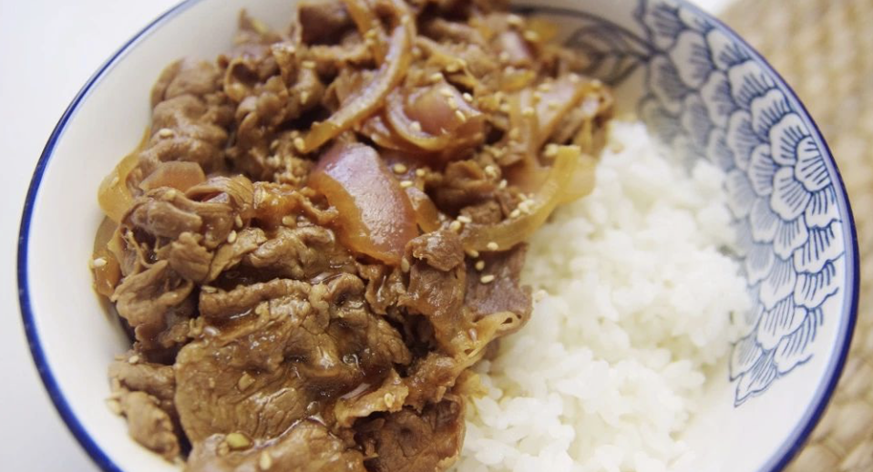洋蔥牛肉飯 Beef w Onion Sauce Rice