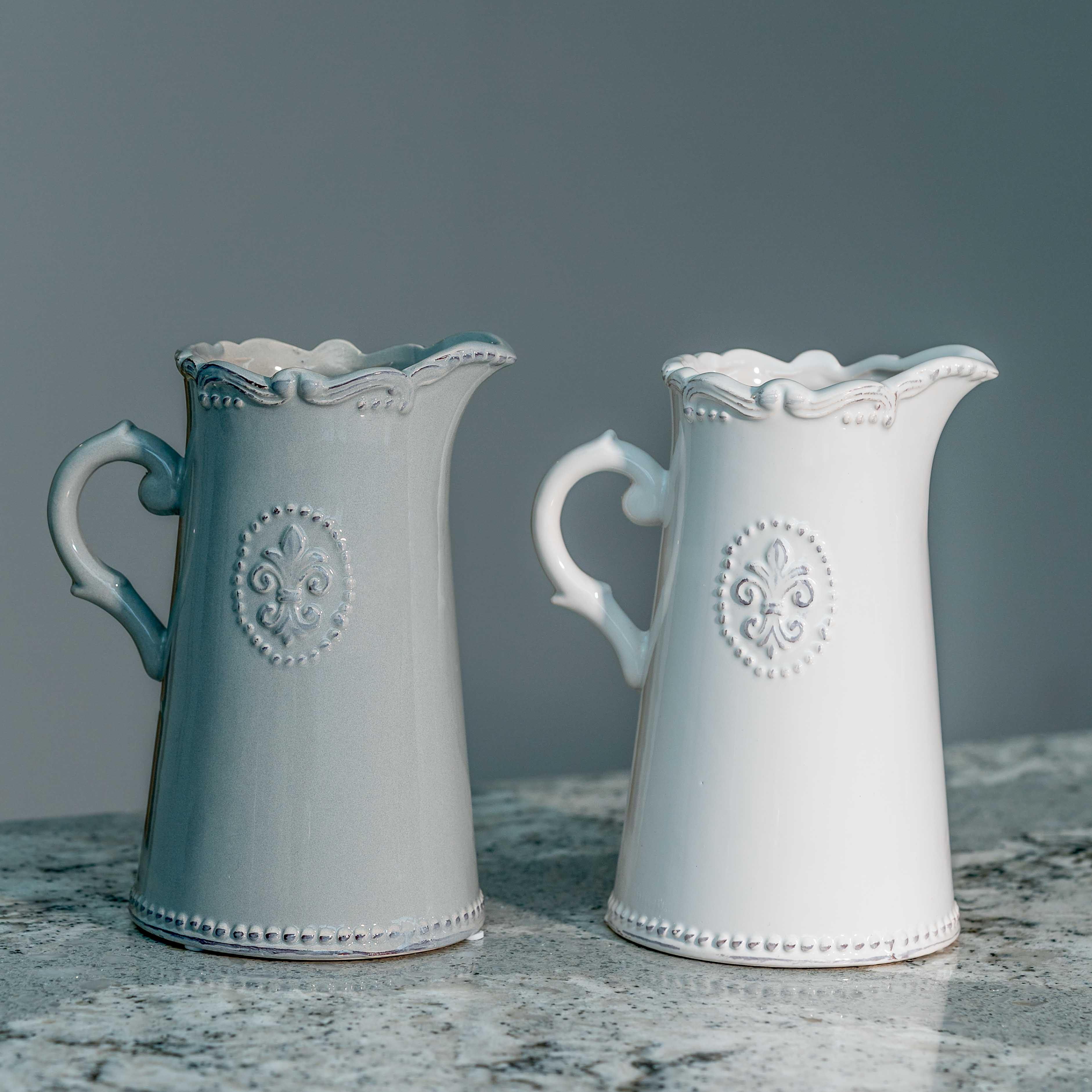 Fleur De Lis kande i keramik